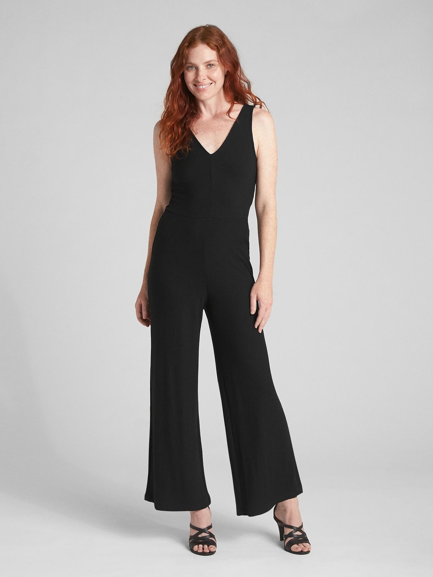 de2caca3bb2 Lyst - Gap Softspun Sleeveless V-neck Jumpsuit in Black