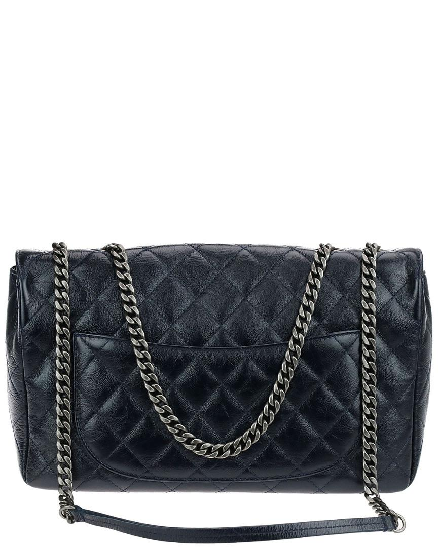 5d510d5d1af6 Lyst - Chanel Limited Edition Navy Blue Quilted Crinkled Patent ...