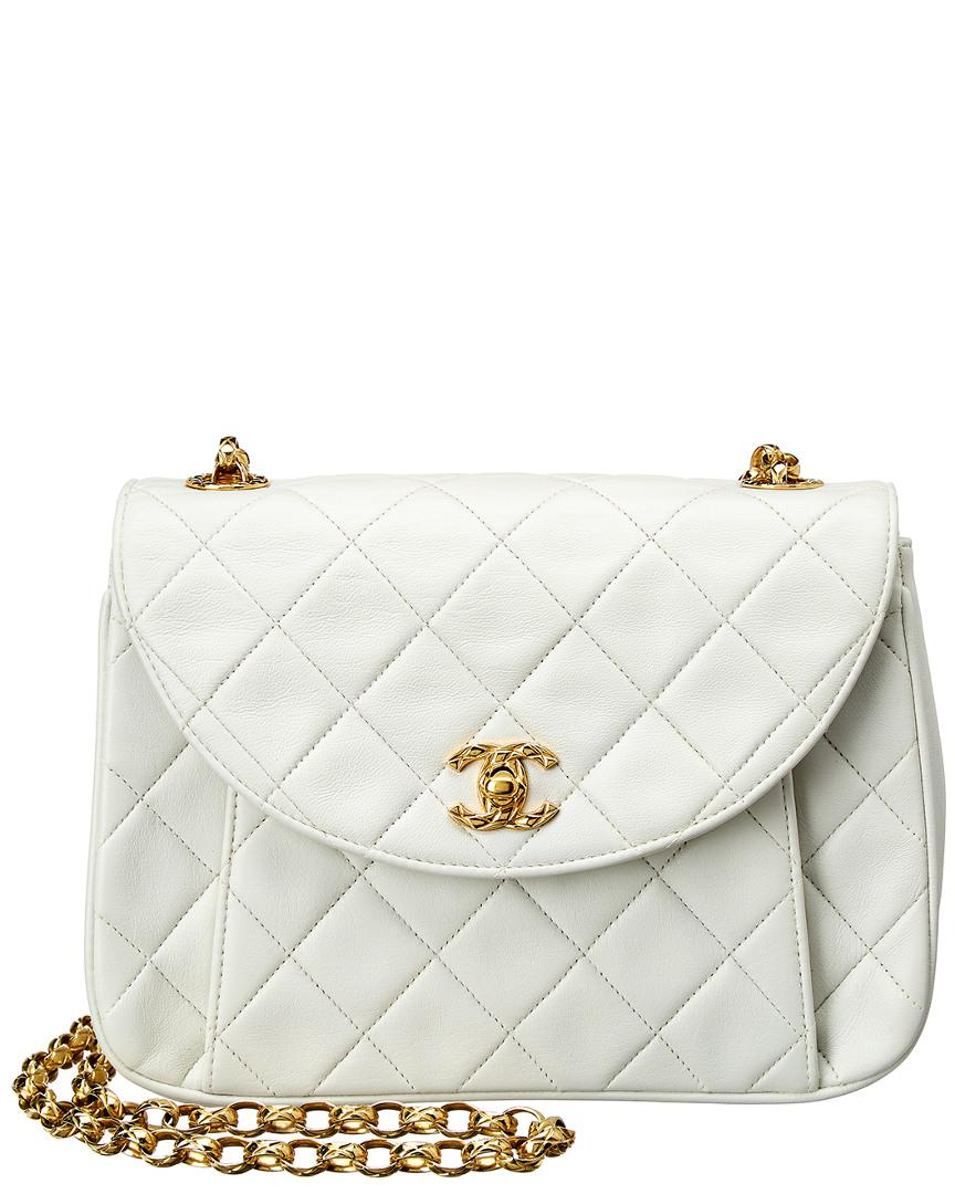 9db085b37e07 Chanel White Quilted Lambskin Leather Round Flap Shoulder Bag in ...