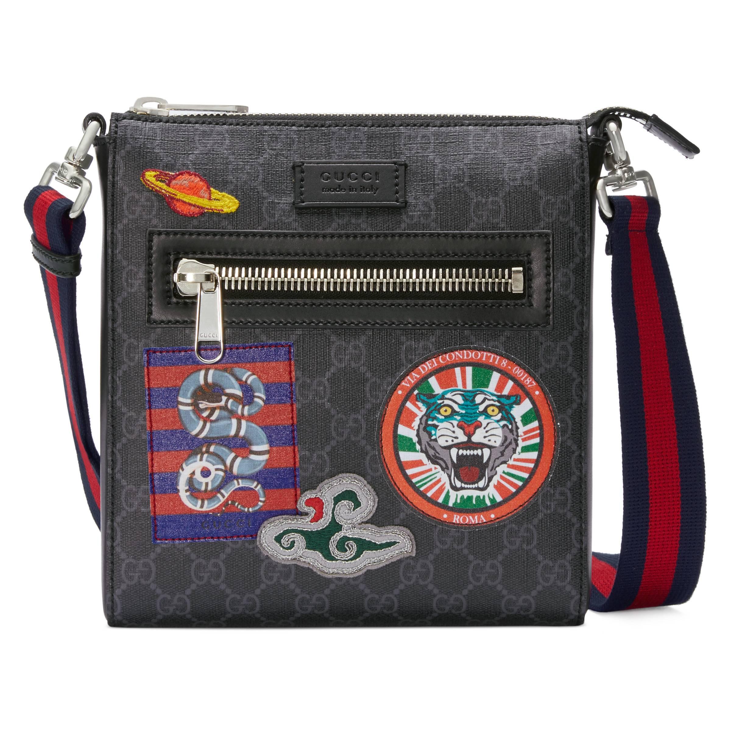 c73e4643320 Gucci - Black Sac à bandoulière en toile Suprême GG à motifs Night Courrier  for Men. Afficher en plein écran