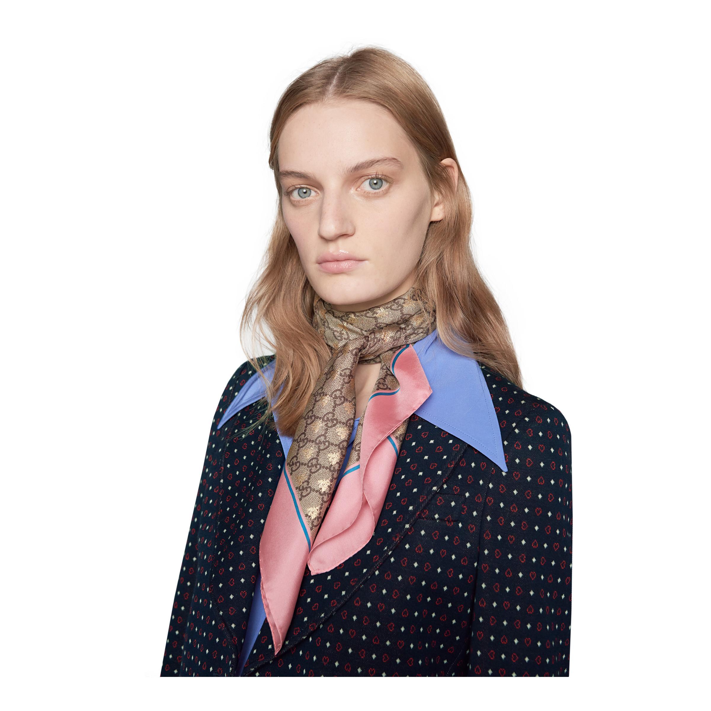 49b626d505ab6 Gucci - Natural Pañuelo de Seda con GG y Abejas - Lyst. Ver en pantalla  completa