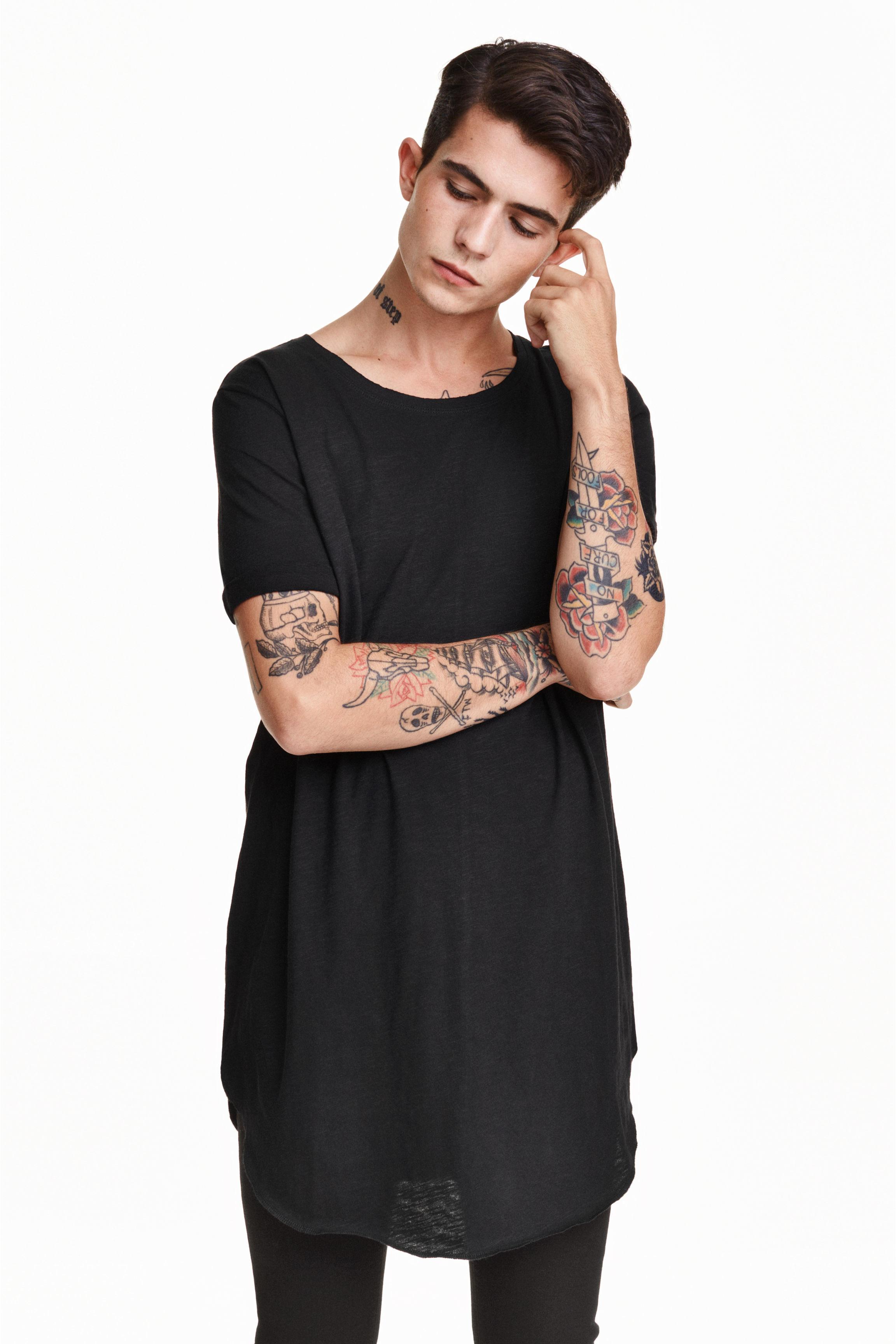 h m long t shirt in black for men lyst. Black Bedroom Furniture Sets. Home Design Ideas
