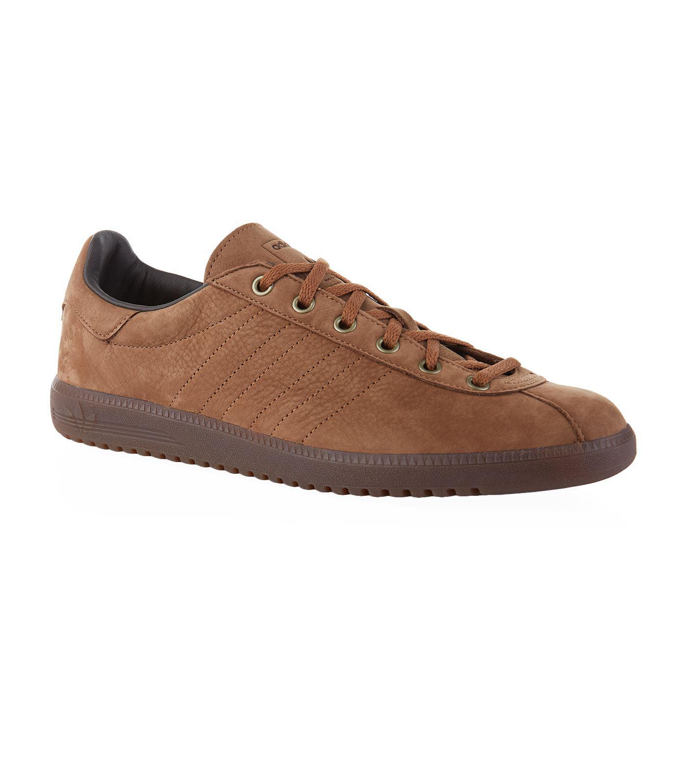 les chaussures de sport adidas adipure base flex vert noir / choc