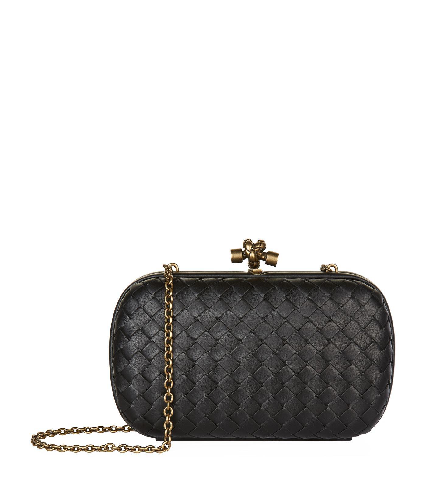 3b8de60db3f0 Bottega Veneta Leather Knot Clutch Bag in Black - Lyst