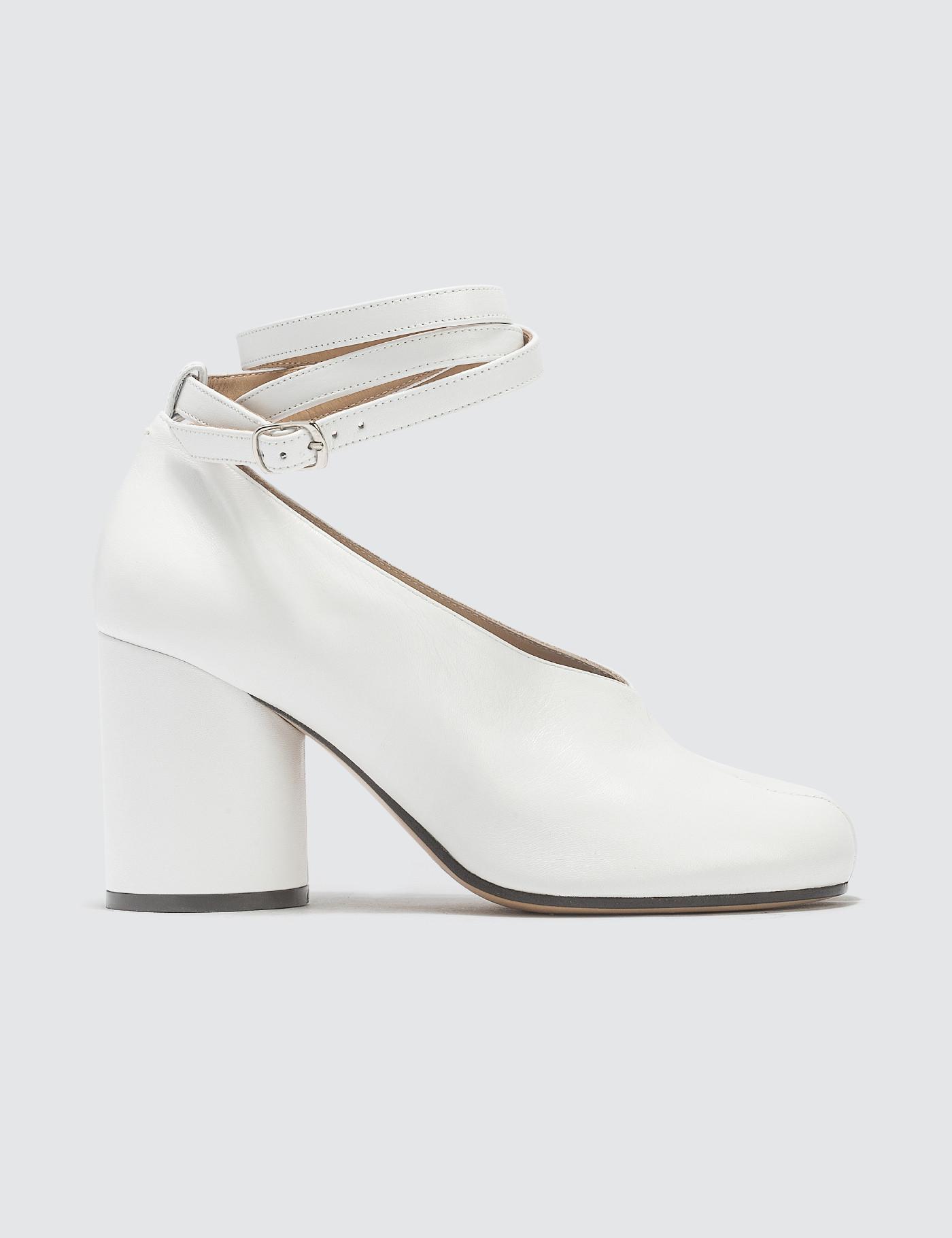 750a7409c492 Maison Margiela Split-toe Tabi Heels in White - Lyst