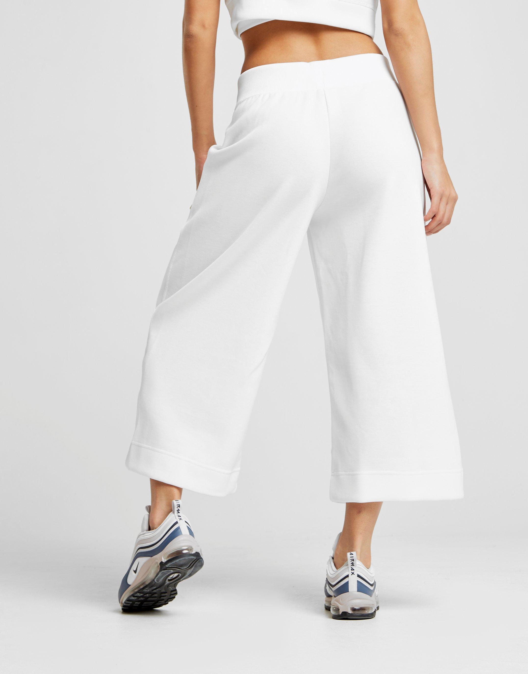 32ae07b0194ed Nike Beautiful X Powerful Culottes in White - Lyst