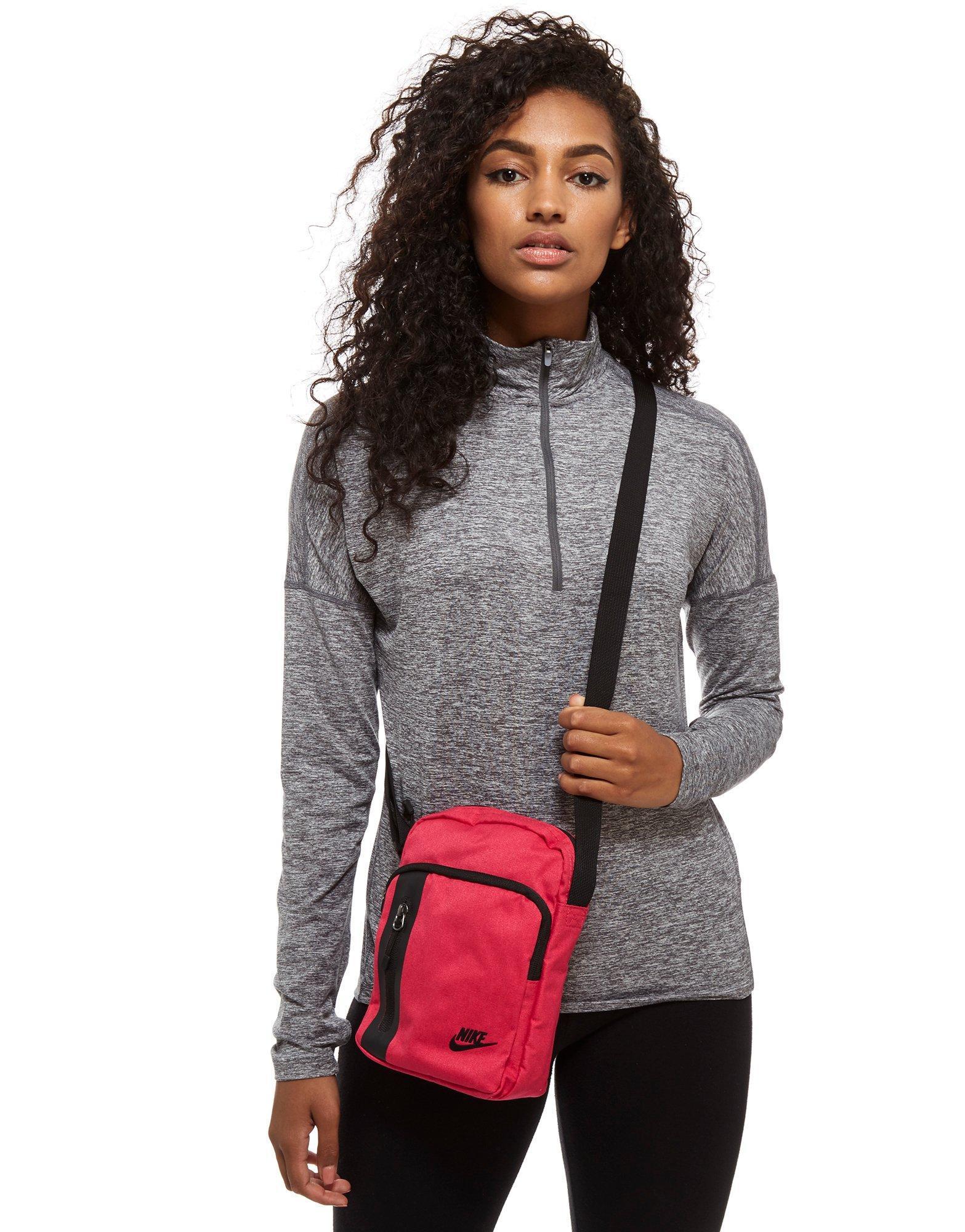 Nike Core Small Items - Daftar Harga Terlengkap Indonesia 71ca90ddb2583