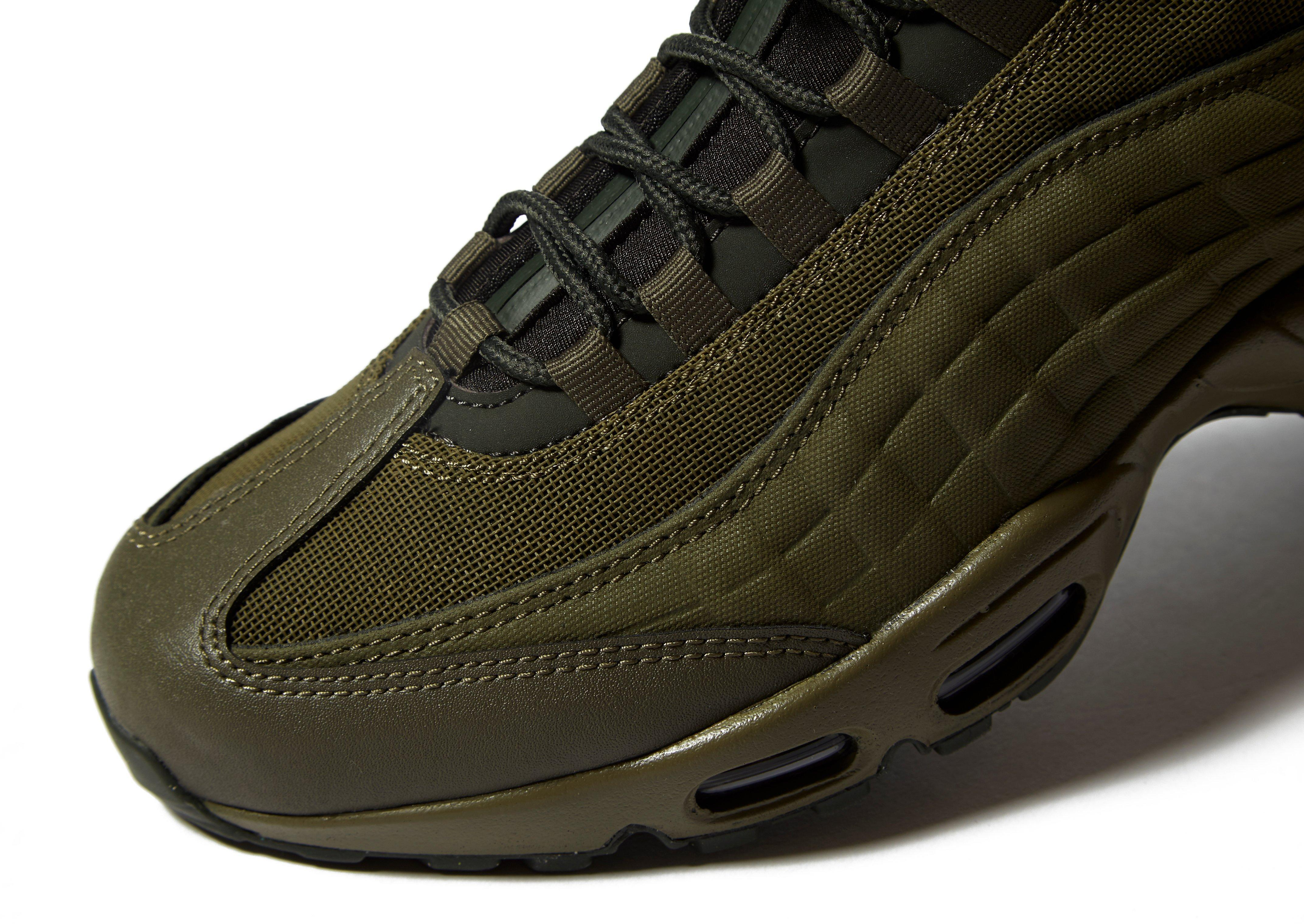 the best attitude 6008d e76b5 Nike Air Max 95 Sneakerboot in Green for Men - Lyst