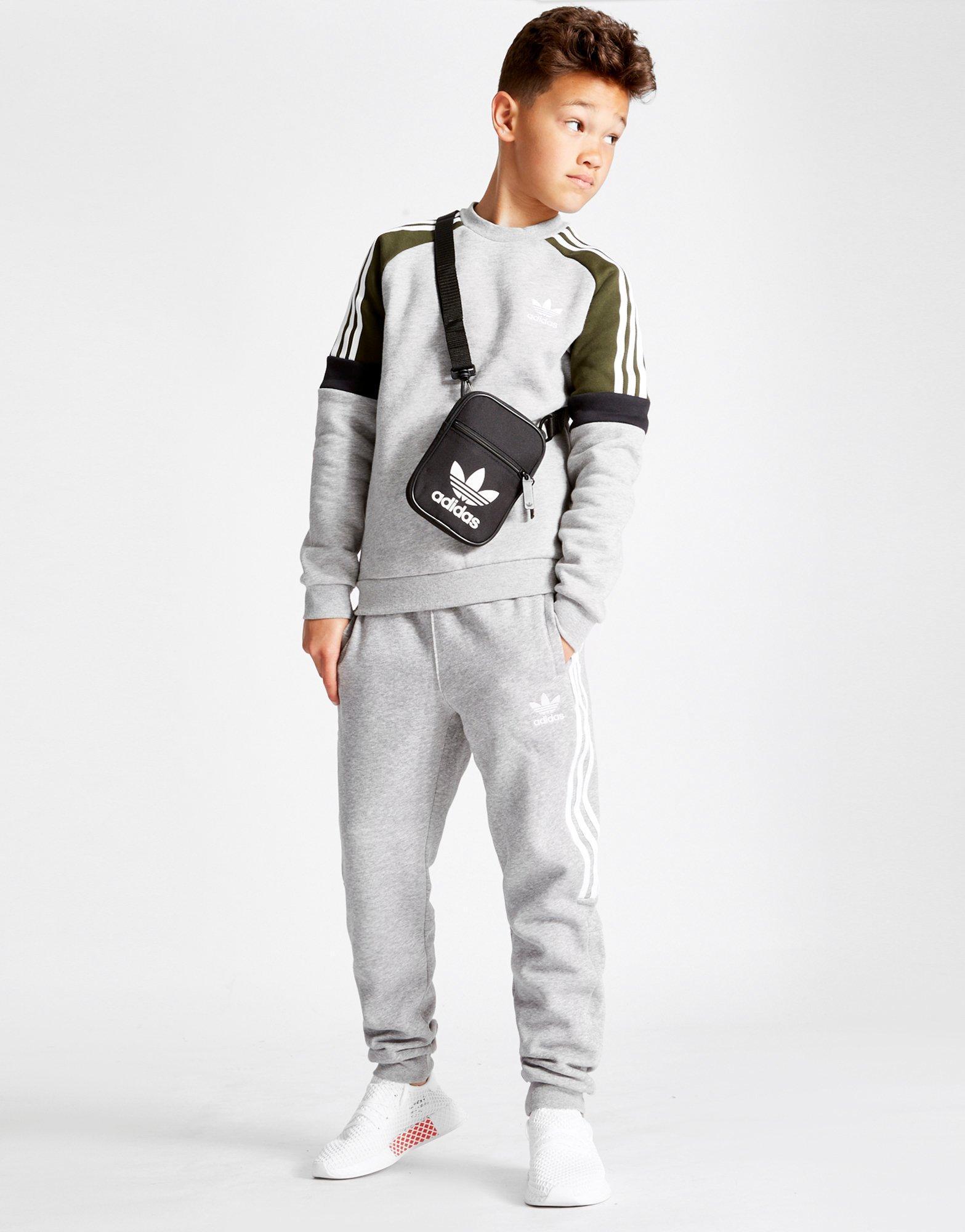 the best attitude 9aee5 eab22 Lyst Sweatshirt Men For Crew Europe Adidas Gray Junior In Originals IOnzIx6r