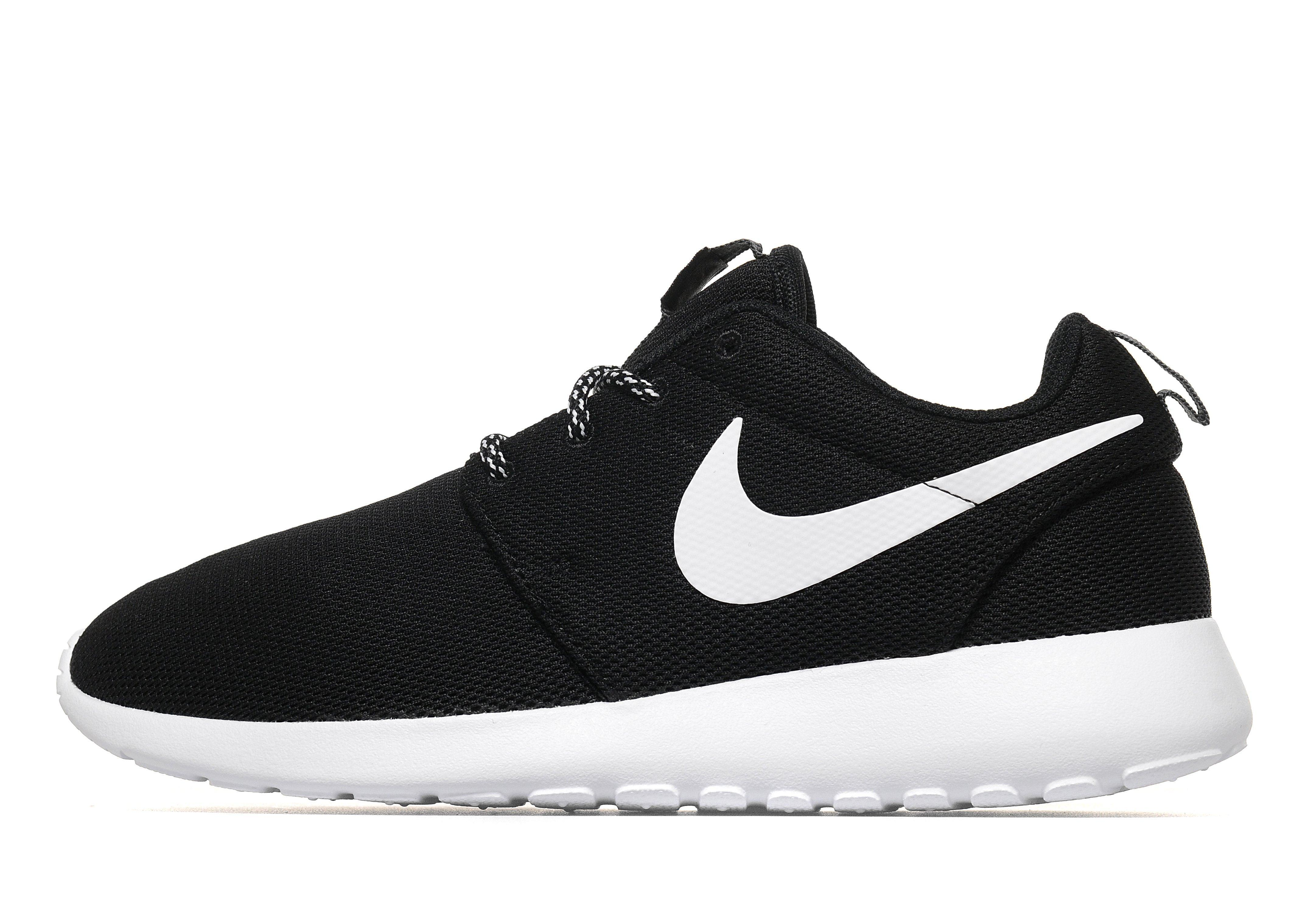 Nike Roshe One in Black