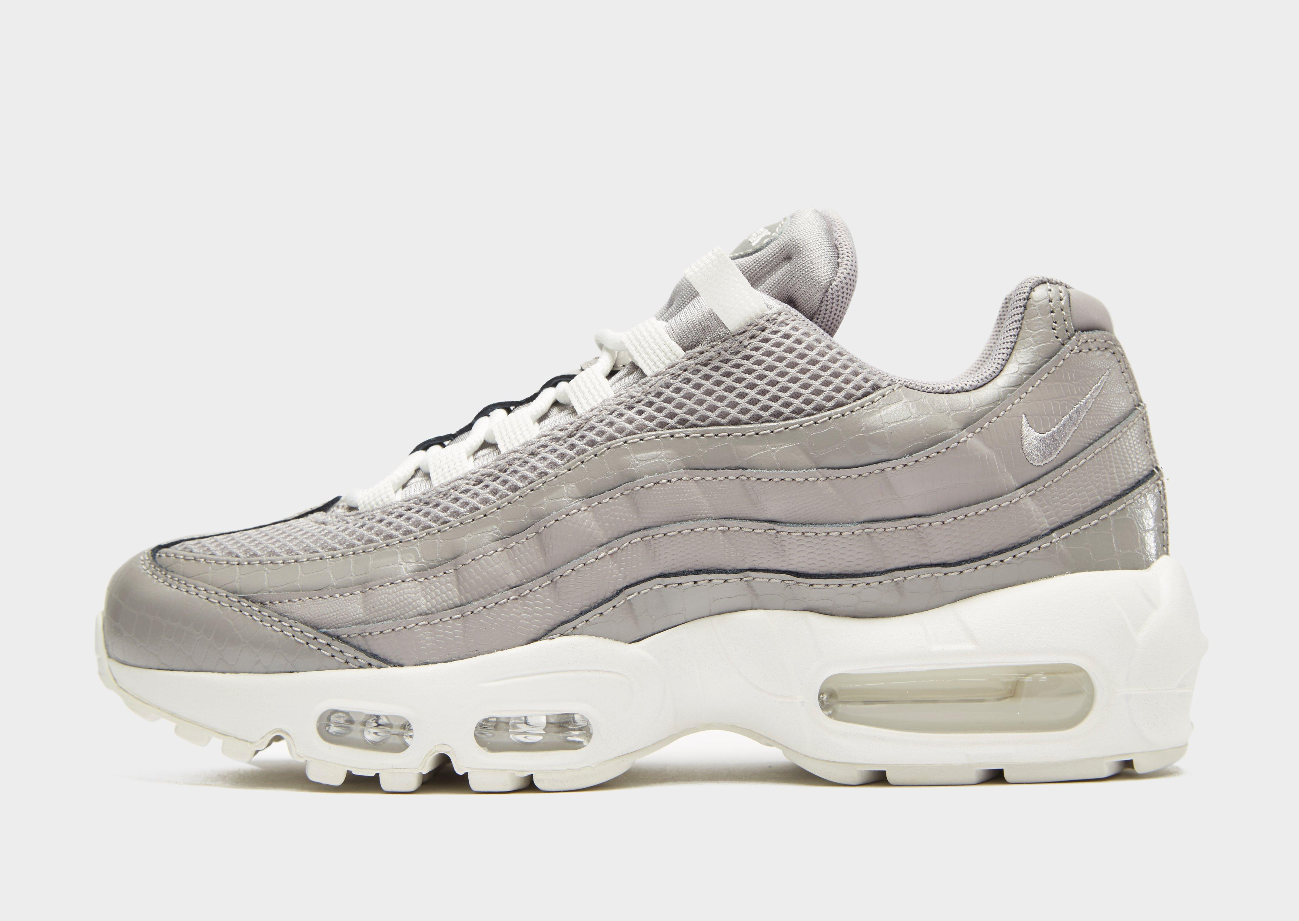 huge discount 53e91 dc619 Gallery. Previously sold at  JD Sports · Women s Nike Air Max ...