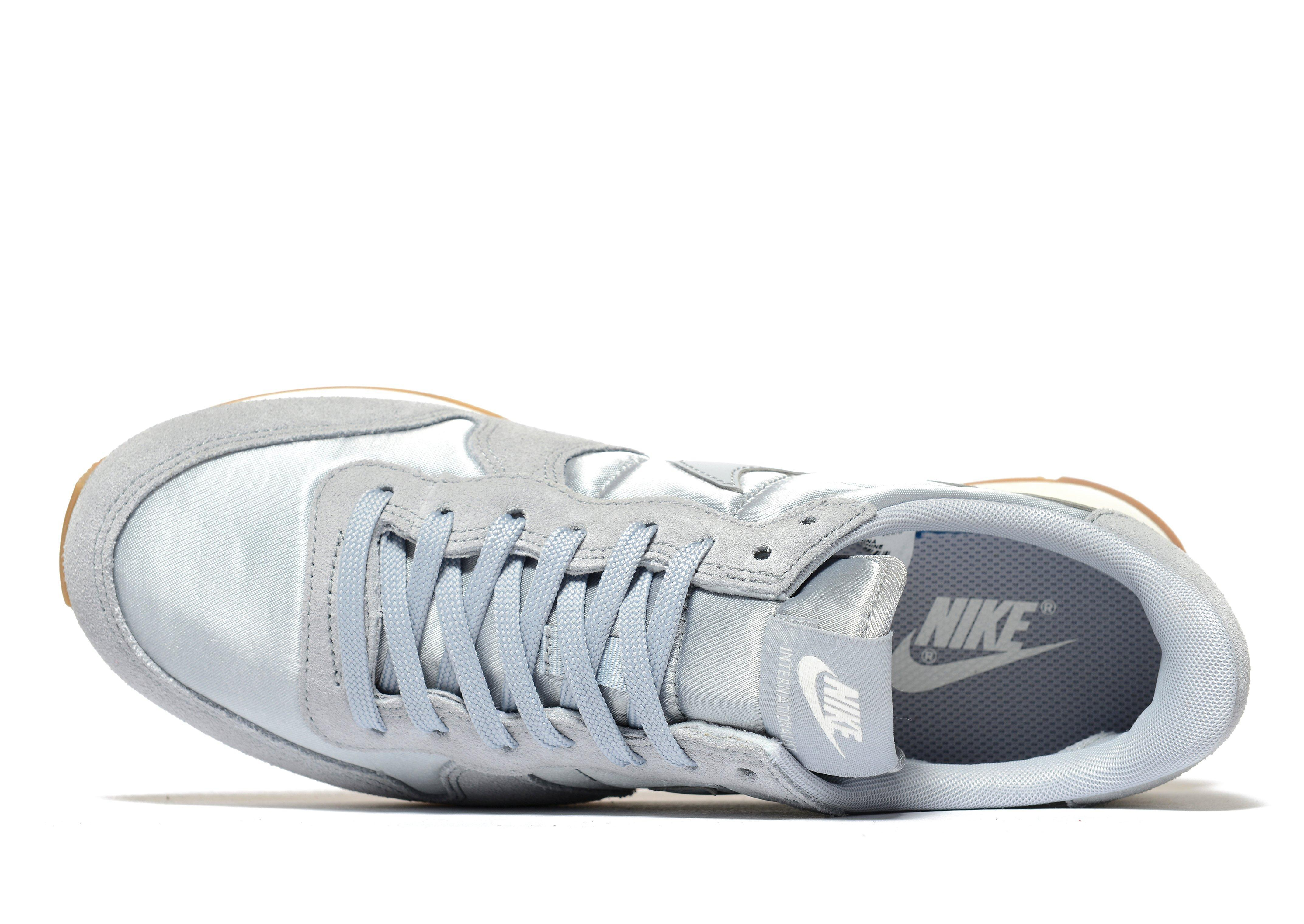 best authentic fa011 20216 ... reduced nike internationalist in gray for men lyst 86511 4ce1c