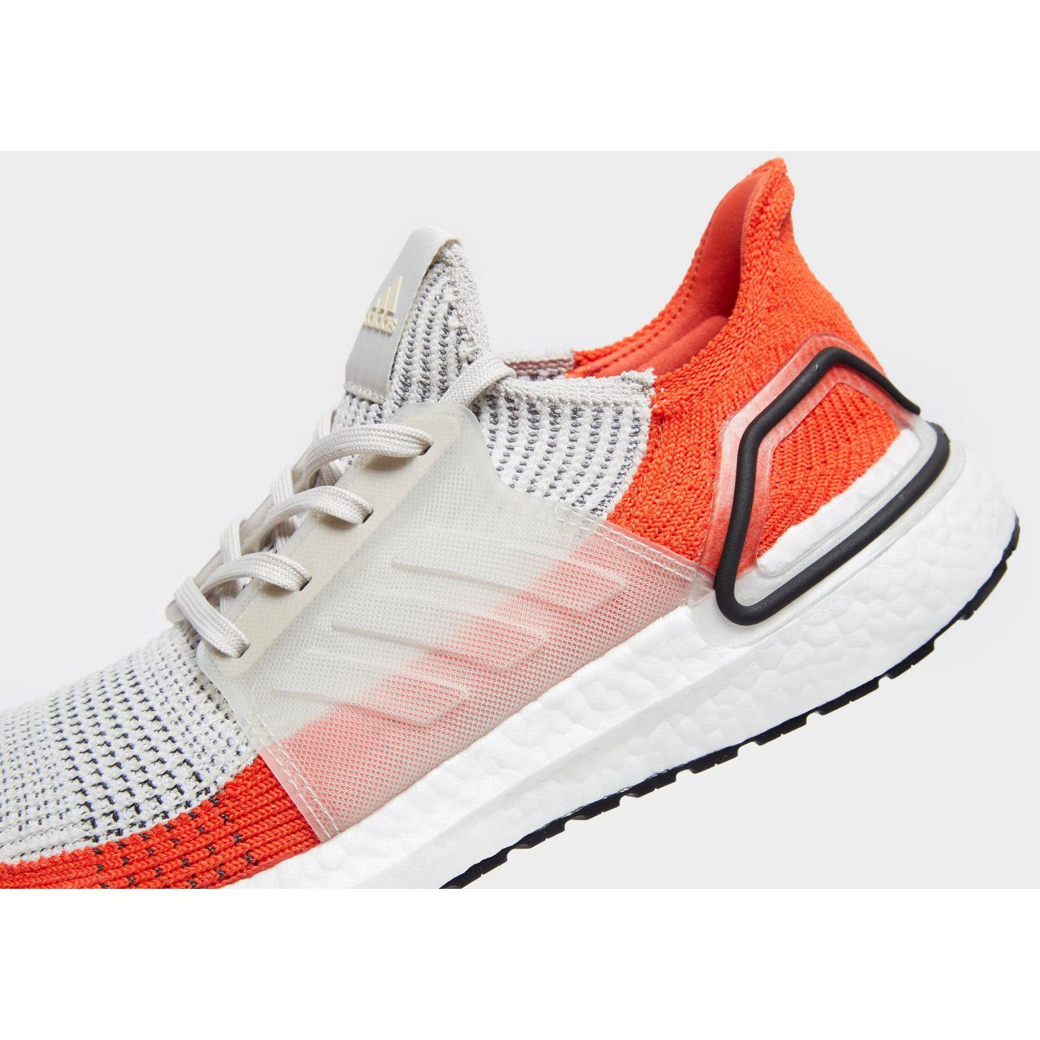 best service 68fb5 9cf8f Men's White Ultra Boost 19