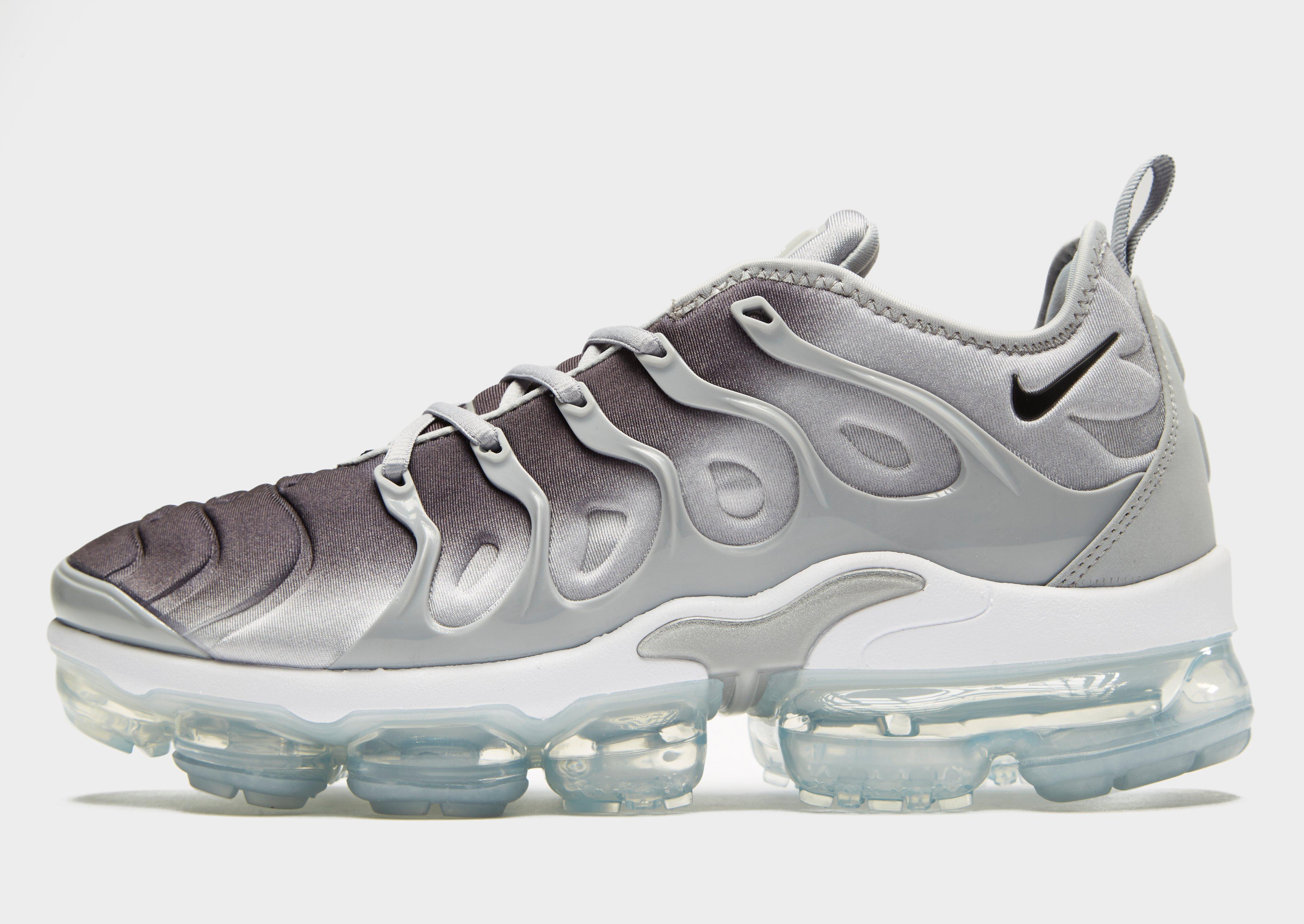 Nike. Men's Gray Air Vapormax Plus