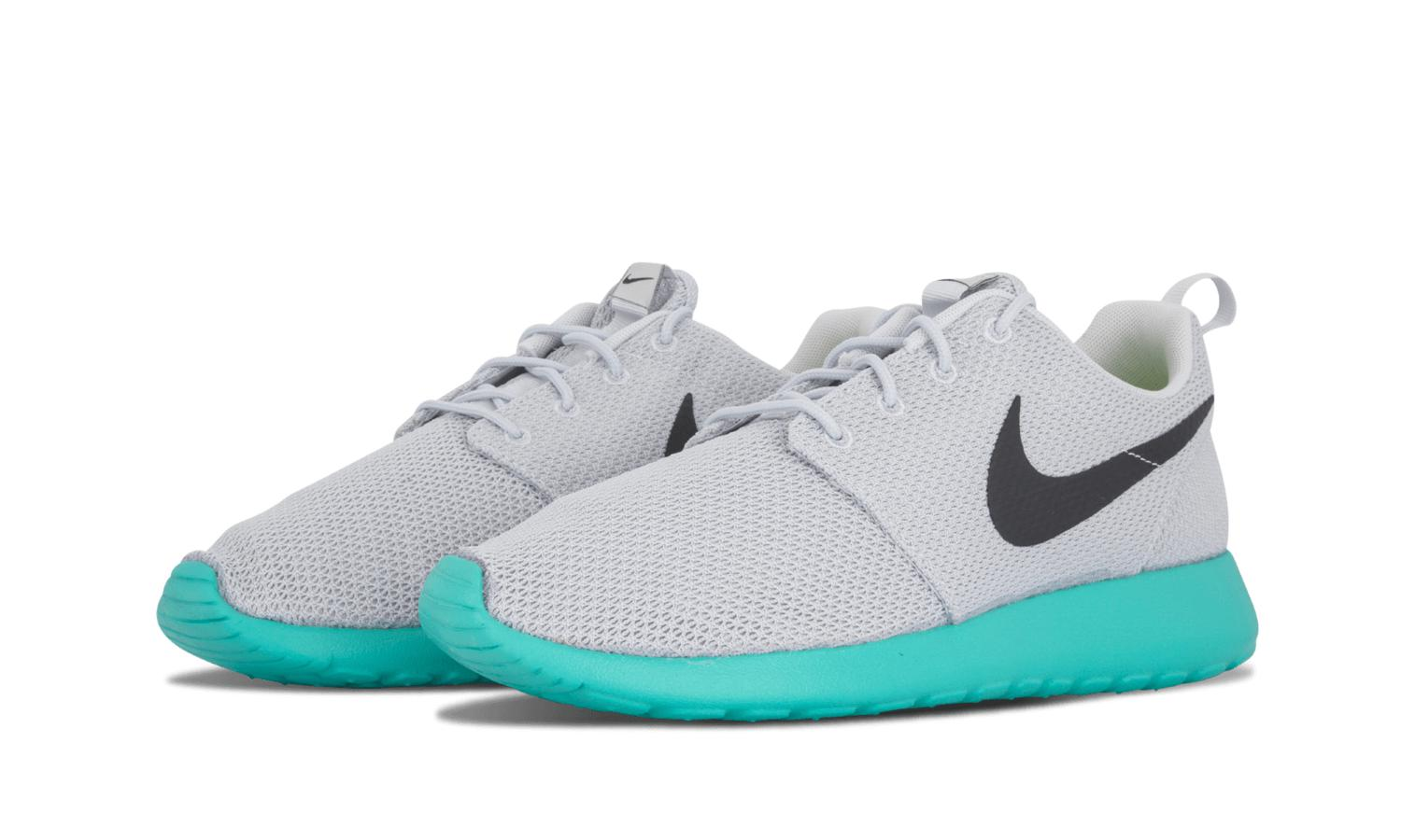 wholesale dealer 76897 17bf2 ... clearance lyst nike rosherun pure platinum anthracite calypso running  shoe c0c79 0a00c