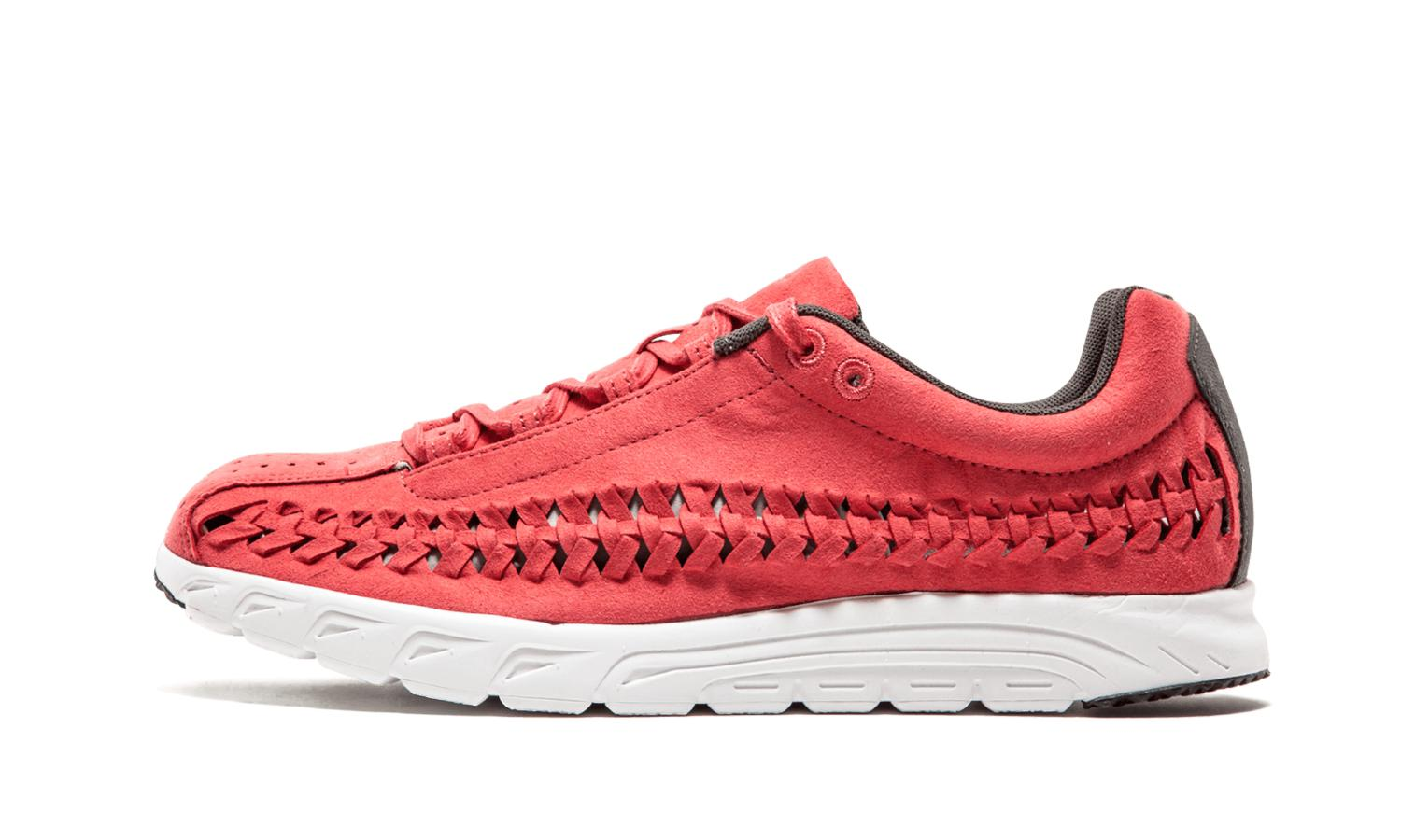 Nike. Men's Red Mayfly Woven - 833132 600