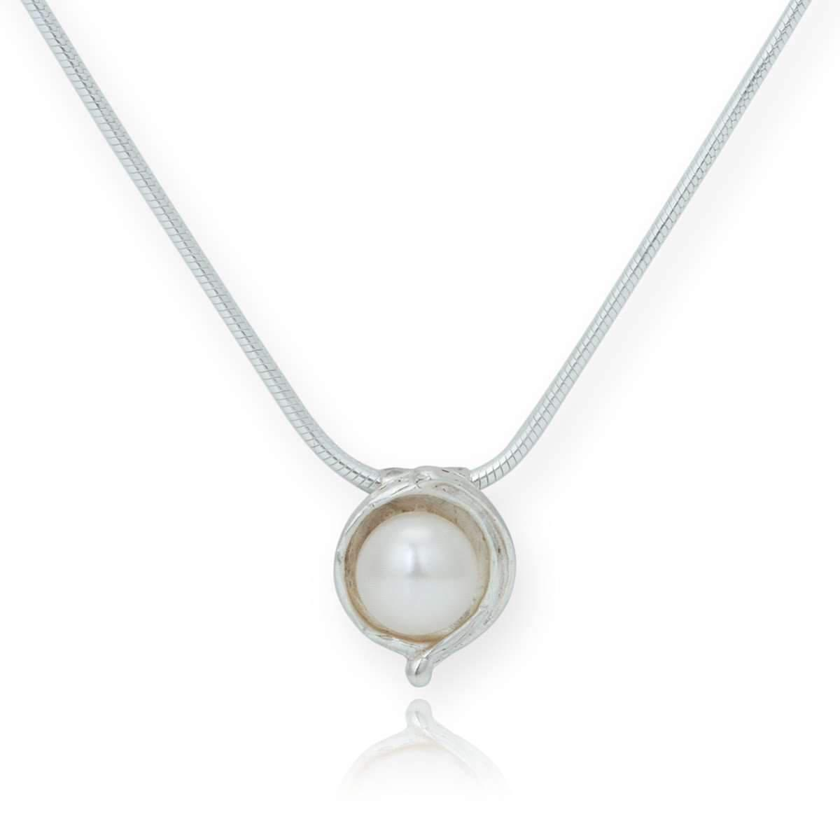 Lavan Sterling Silver & White Pearl Pendant - 16 Inches Kveapsw