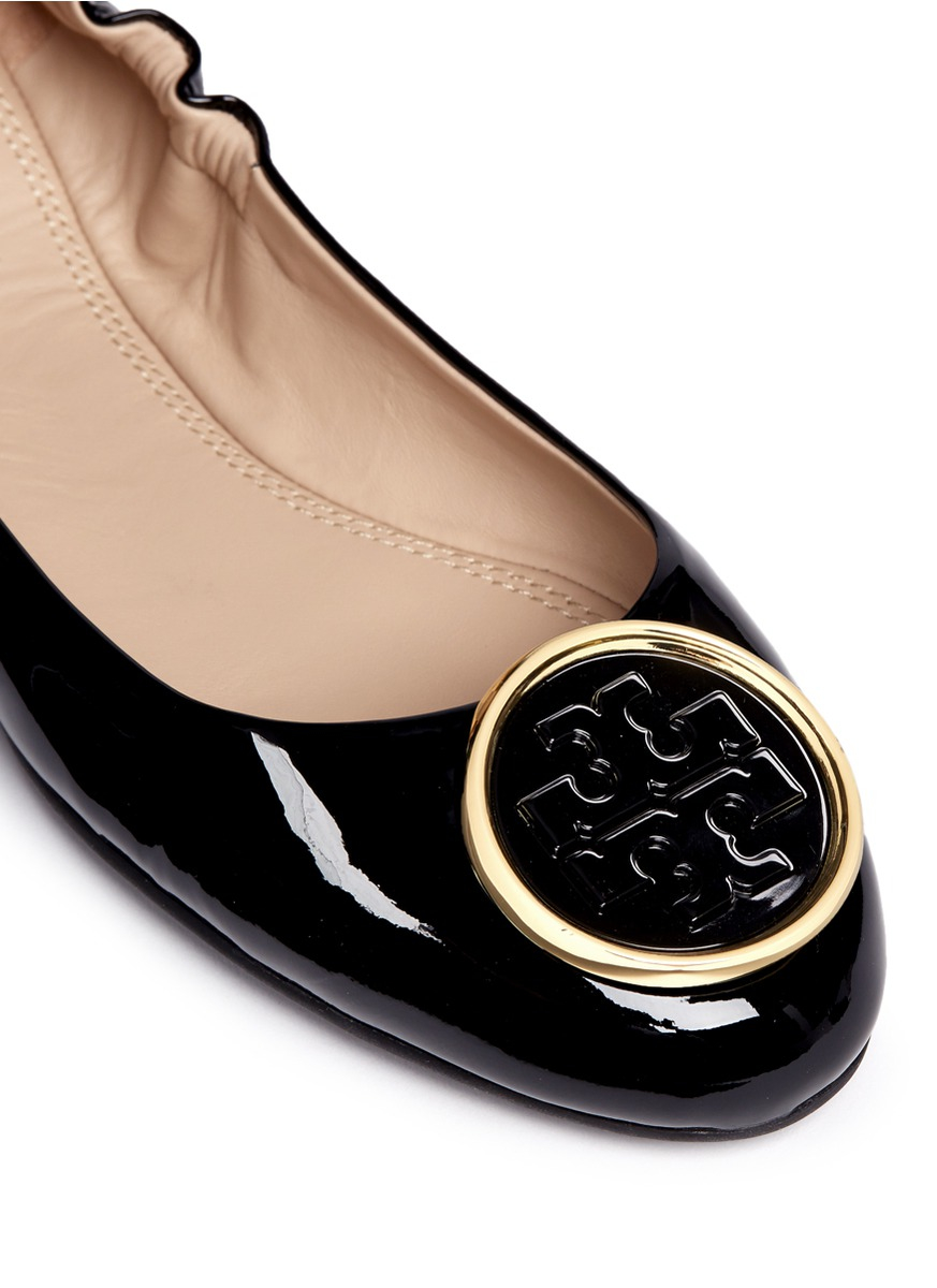 5db628507d8 Tory Burch  twiggie  Metal Logo Patent Leather Ballet Flats in Black ...