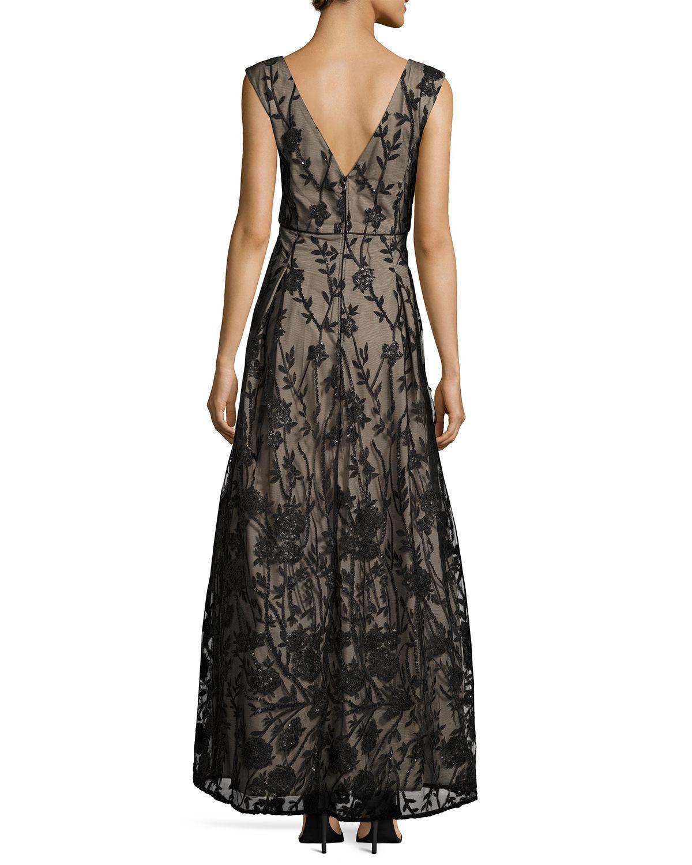 Lyst - Karl Lagerfeld Floral-embellished Ballroom Gown in Black