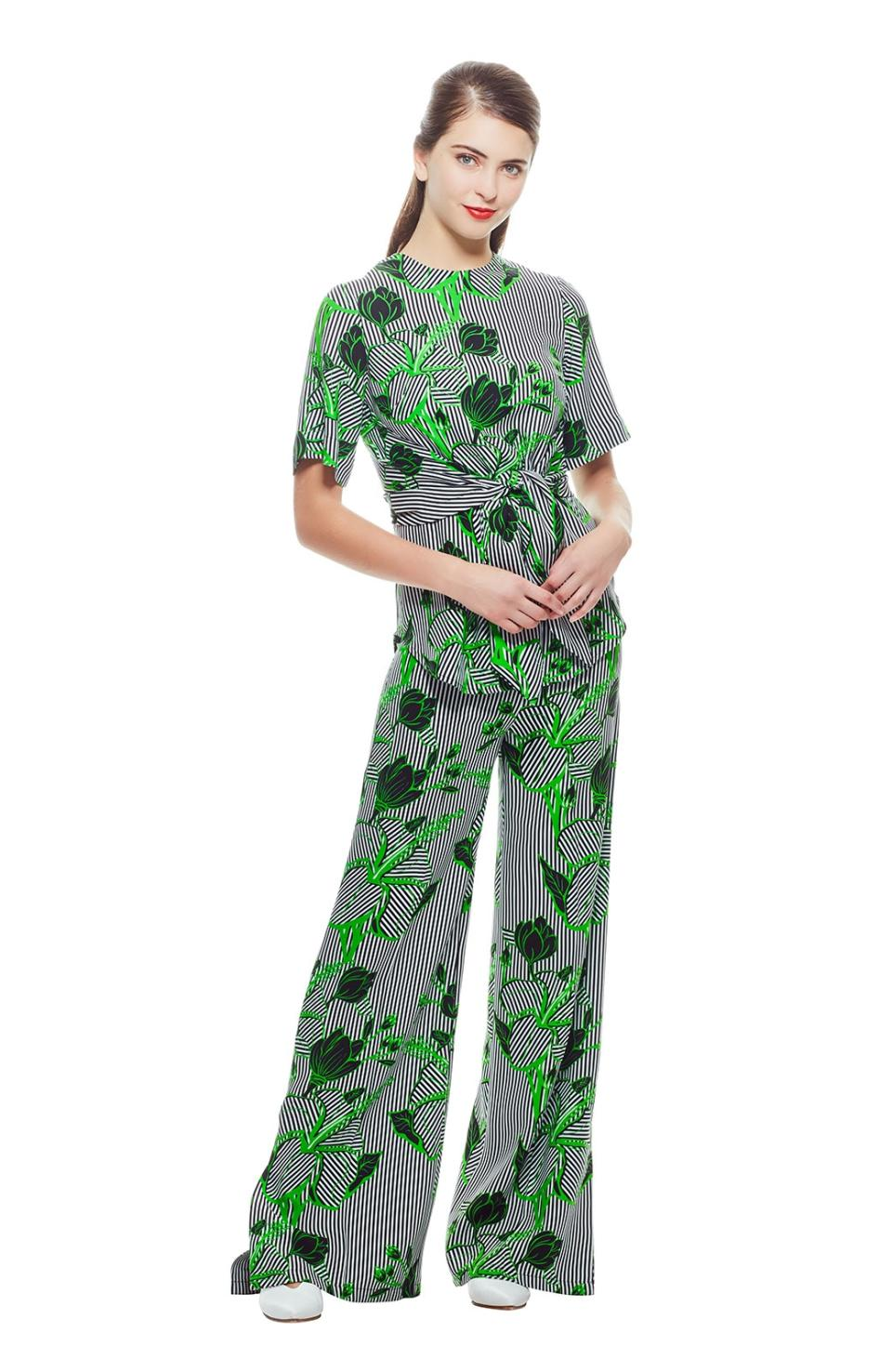 11580232ba0 Lyst - Lela Rose Linear Floral Printed Crepe Front Tie Top With ...