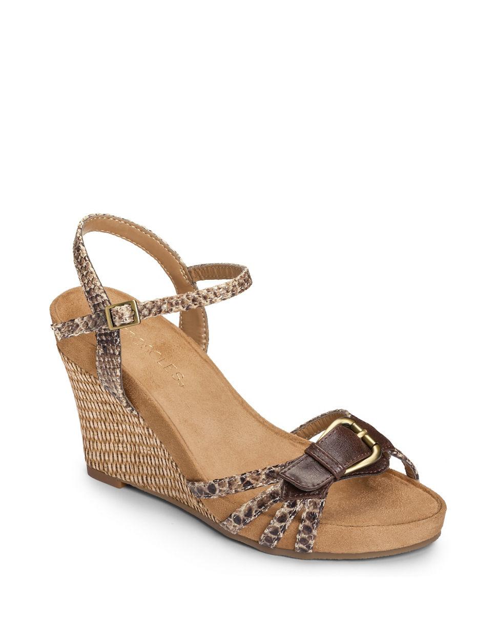 aerosoles plush around wedge sandals in brown lyst