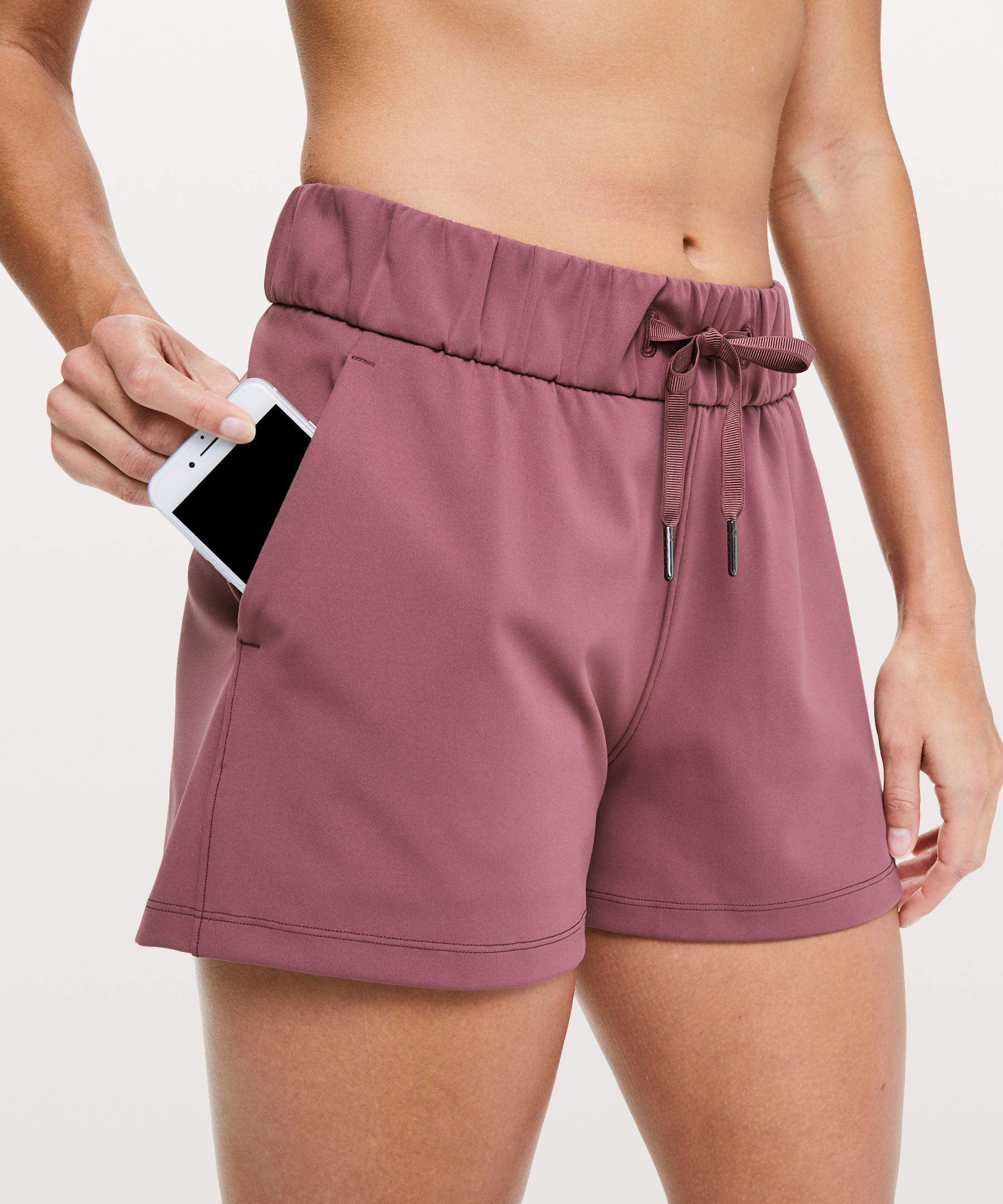 6e83105bf lululemon athletica On The Fly Short  2.5