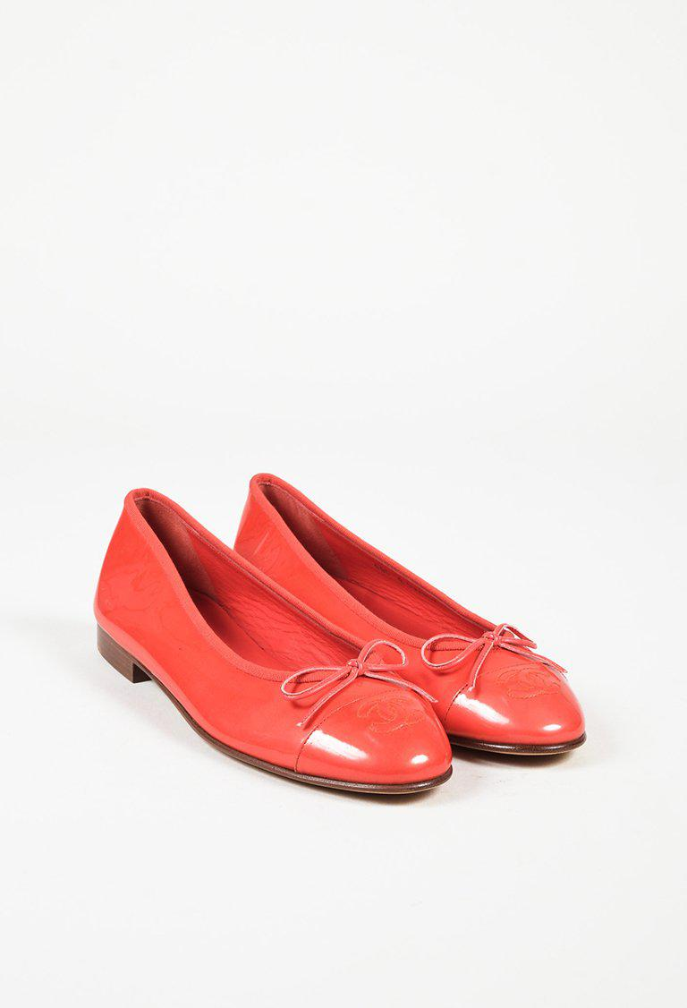 90f4a966438e Lyst - Chanel Coral Pink Patent Leather  cc  Cap Toe Ballet Flats in ...