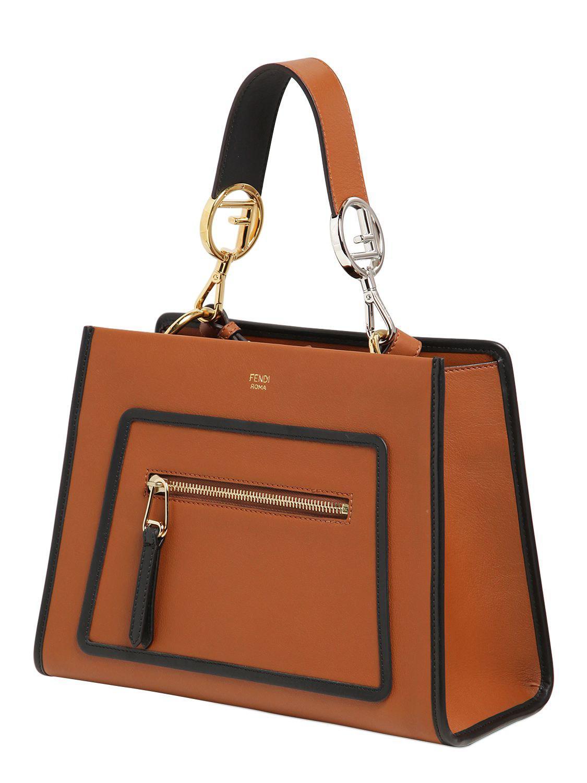 29db9b9cdc5 Lyst - Petit sac à main en cuir