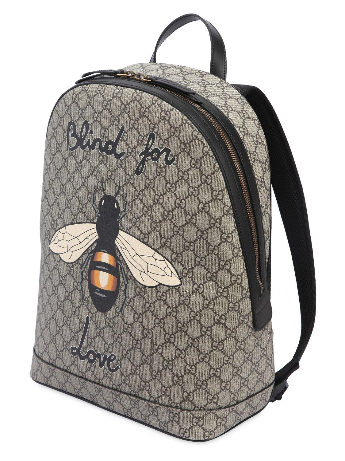 8284cd9679cf Gucci Bee Printed Gg Supreme Backpack in Natural for Men - Lyst