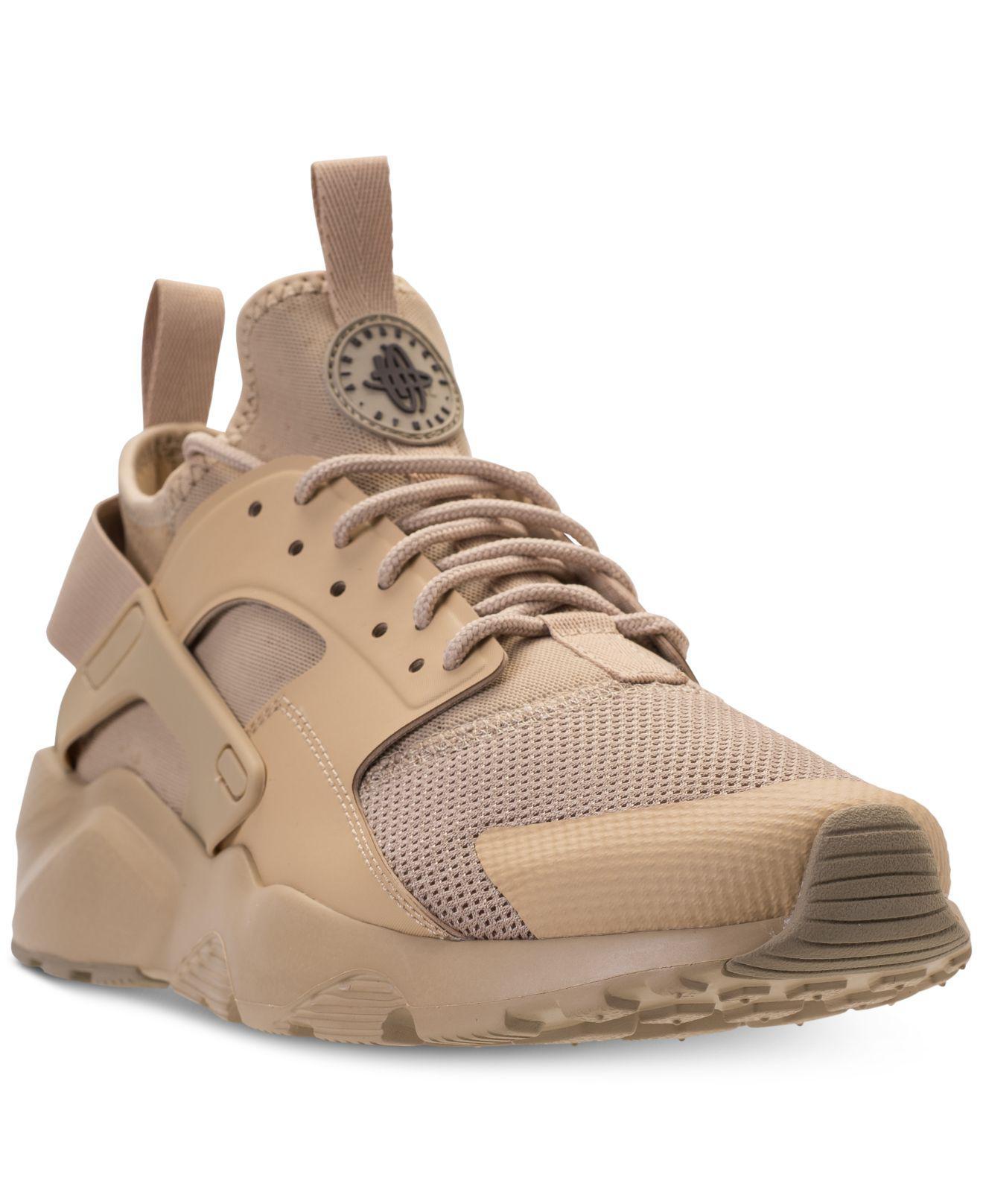 lyst nike air huarache uomini correre ultra le scarpe casual