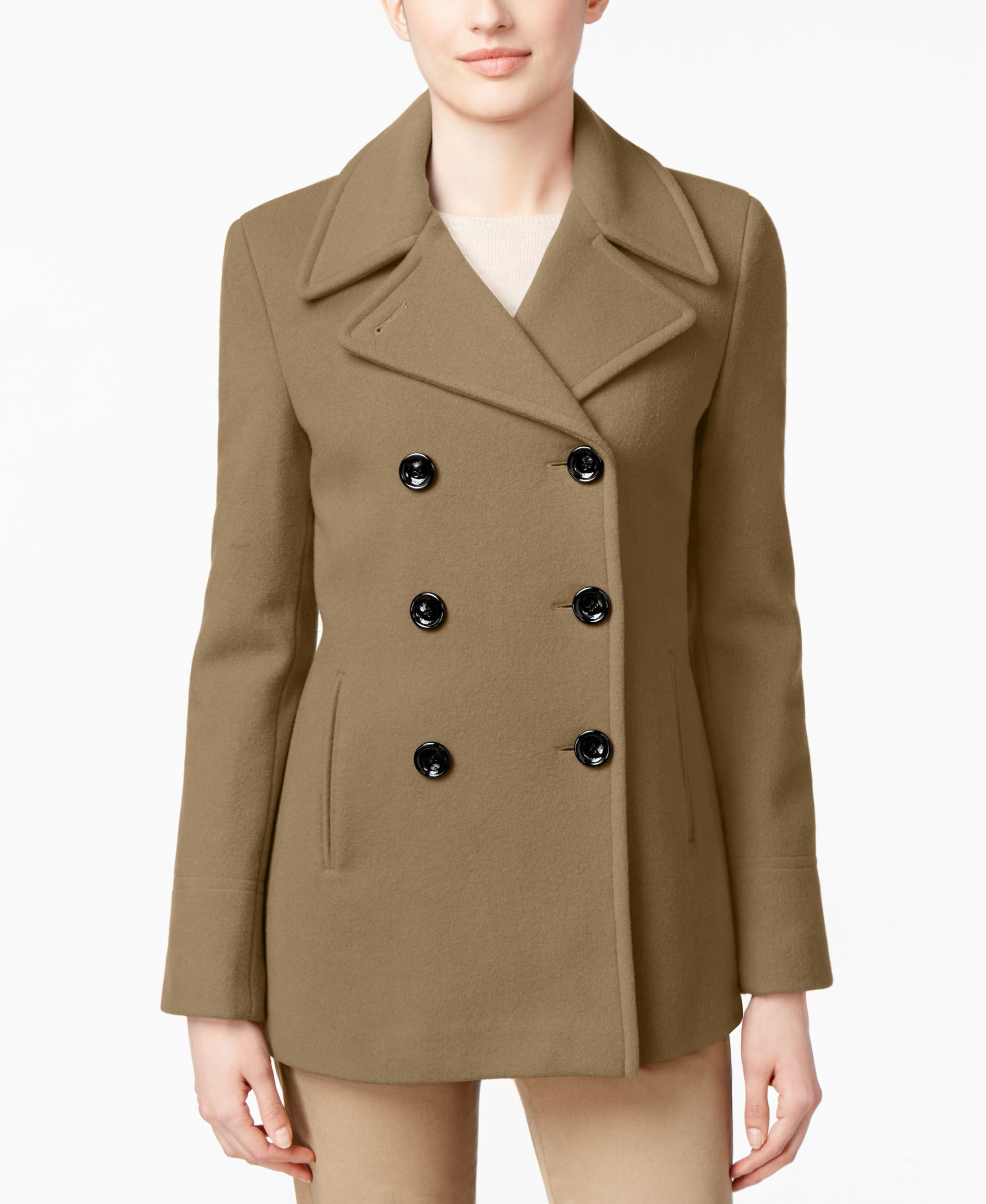 The Pea Coat Wool is an incredible natural fiber with properties that make it the ultimate material for warm and cool weather. It's the only material on earth that is naturally grown by mammals to regulate their body temperature and this works for us too!
