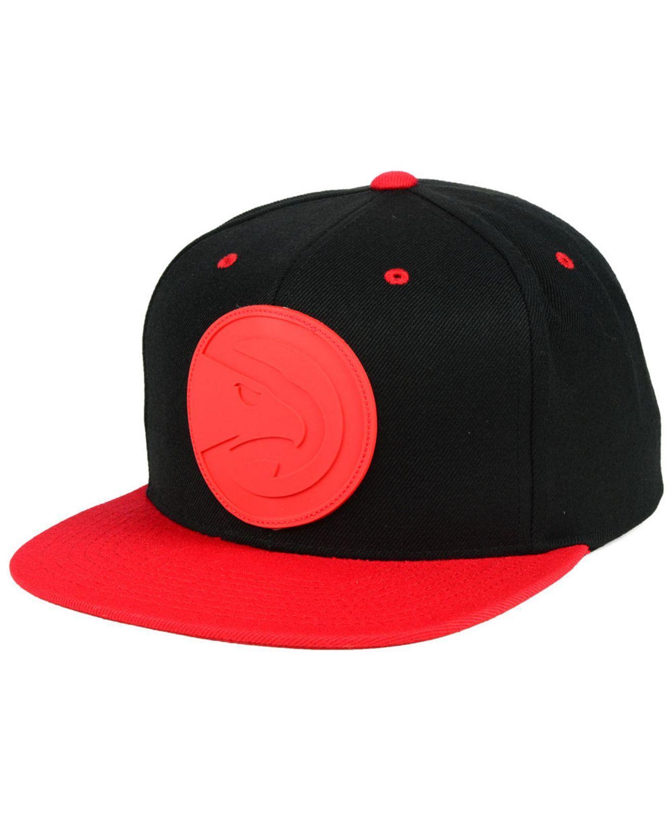 c68de681 Mitchell & Ness Atlanta Hawks Rubber Weld Snapback Cap in Red for ...