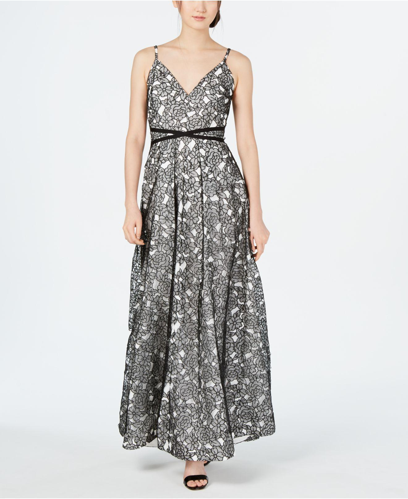 88922dd324a3 Calvin Klein Floral Lace Gown in Black - Lyst