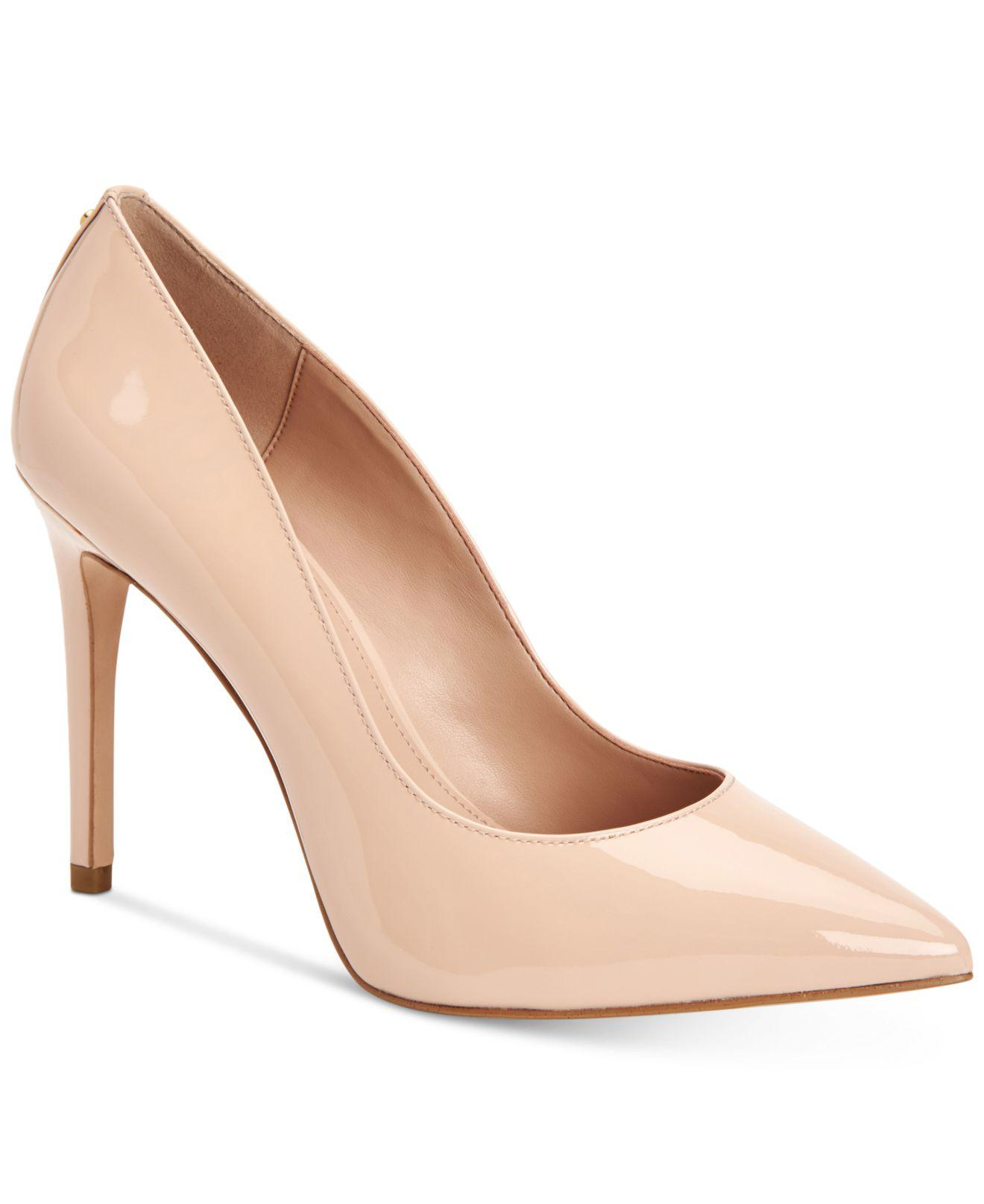 BCBGeneration Harleigh Chain Pointy Toe Pumps Women's Shoes 1PAYiSlByL