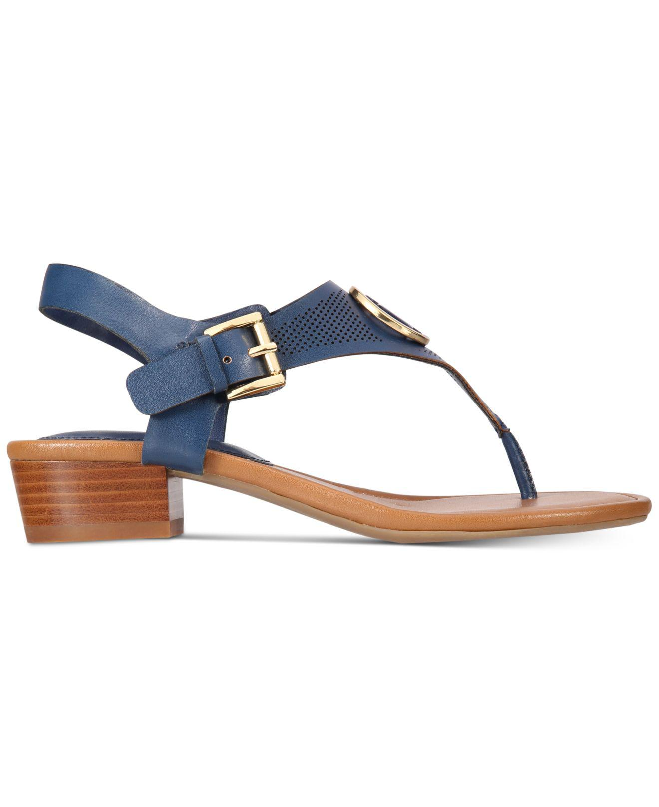 0c1f16d3576c9 Lyst - Tommy Hilfiger Kandes Block-heel Thong Sandals in Blue