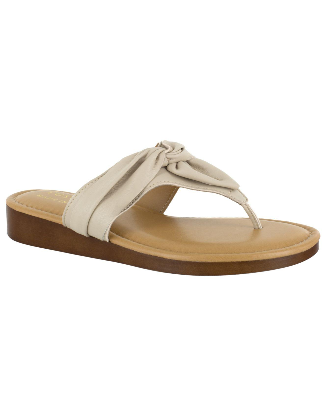 112319771 Lyst - Easy Street Tuscany By Maren Thong Sandals in Natural