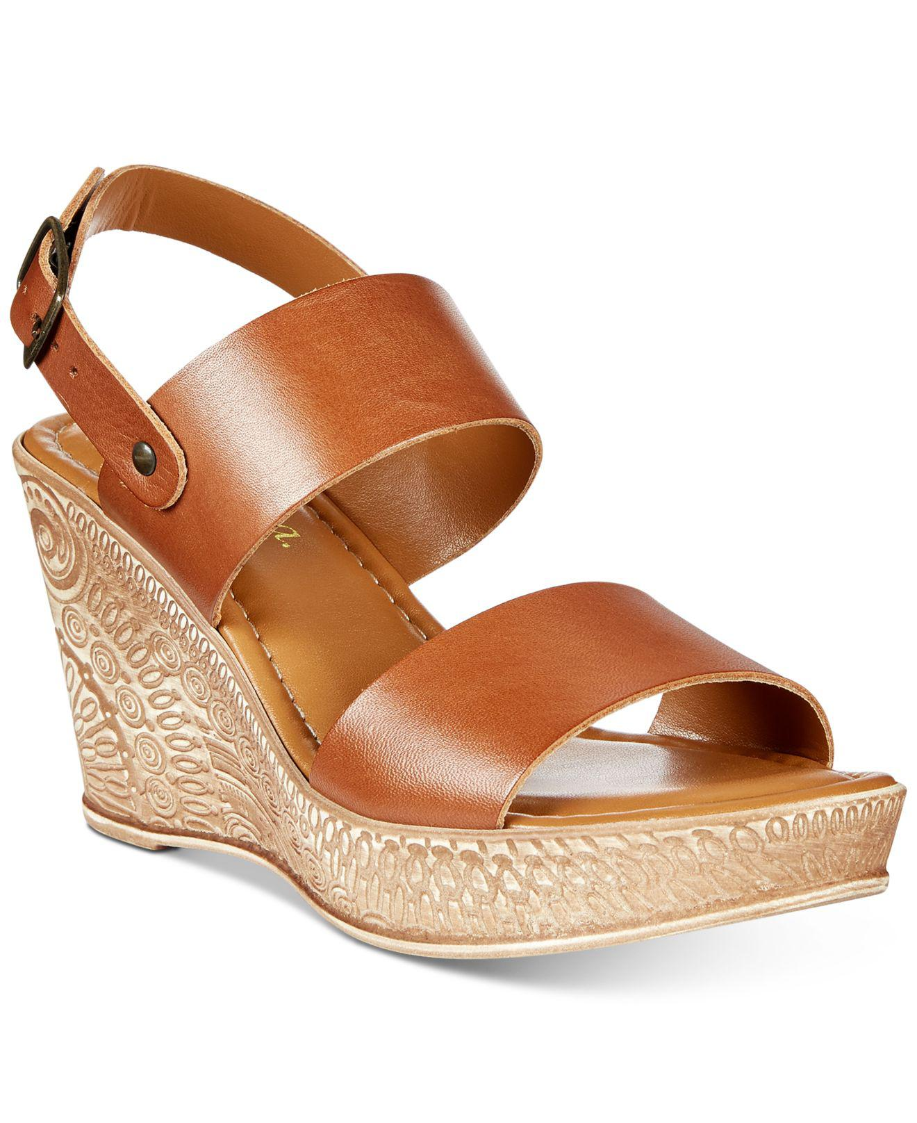 Bella Vita Women's Cor Wedge Sandal LVToTNw3b0