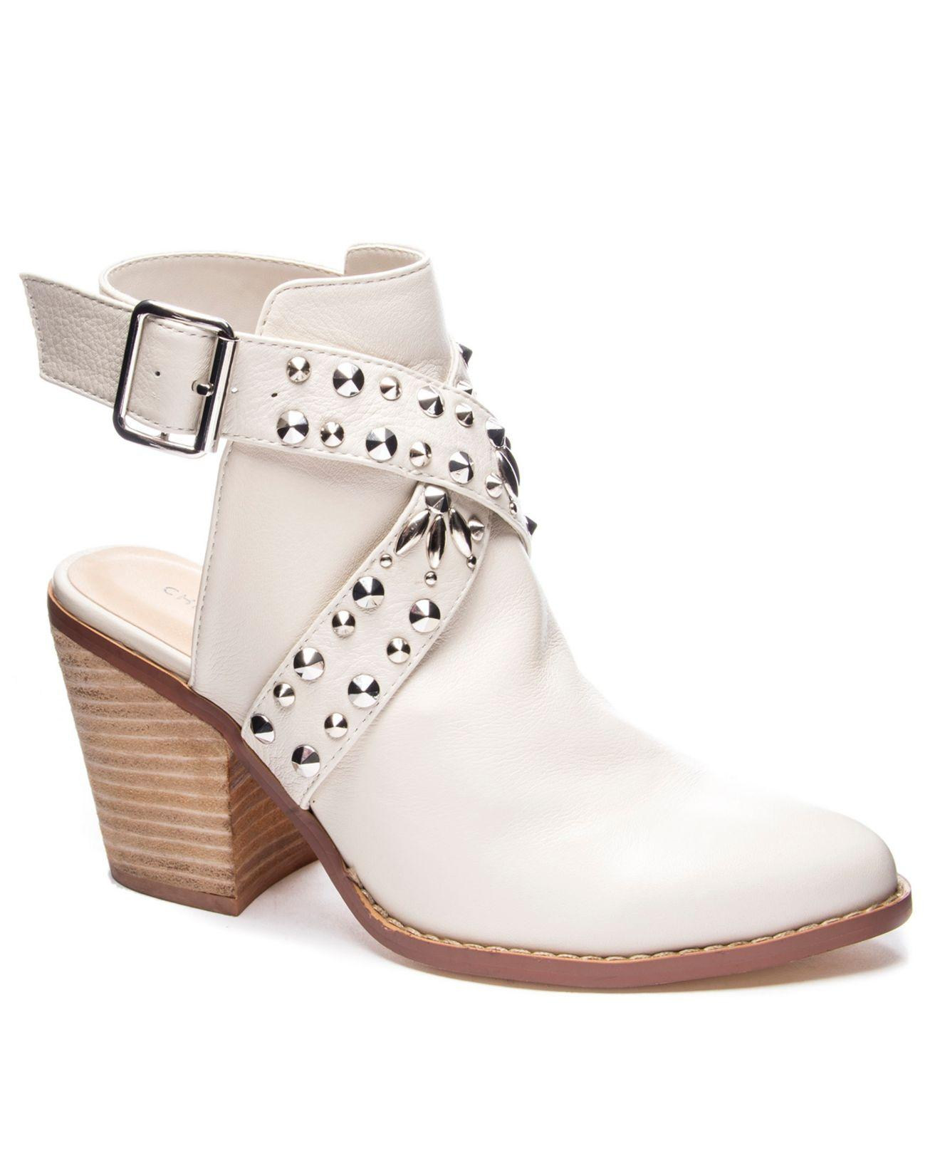 872ca9877 Chinese Laundry Small Town Studded Mules in White - Save 30% - Lyst