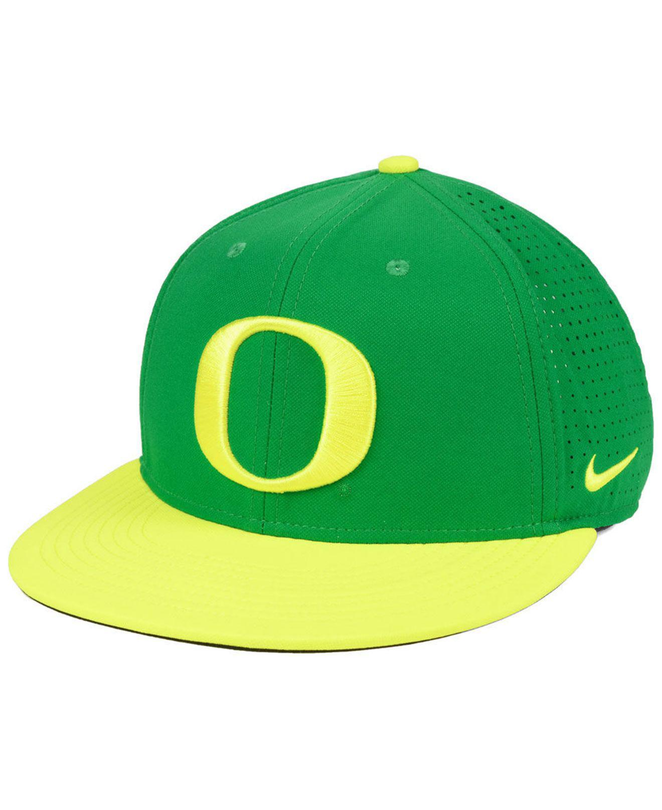 Lyst - Nike Oregon Ducks Dri-fit Vapor Snapback Cap in Green for Men 3307f3c25dd4