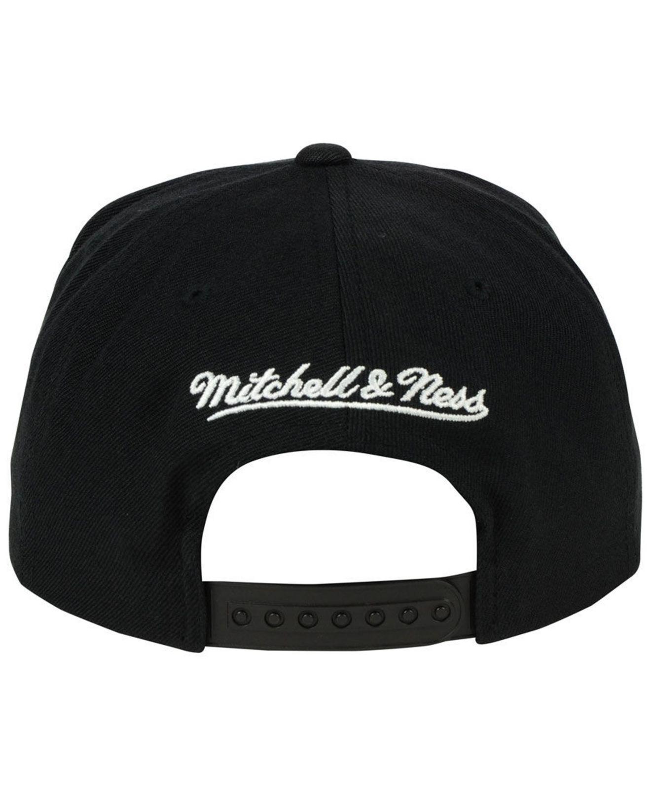 san francisco 42aee 69fad Mitchell   Ness - Black Oklahoma City Thunder Xl Mesh Crop Snapback Cap for  Men -. View fullscreen