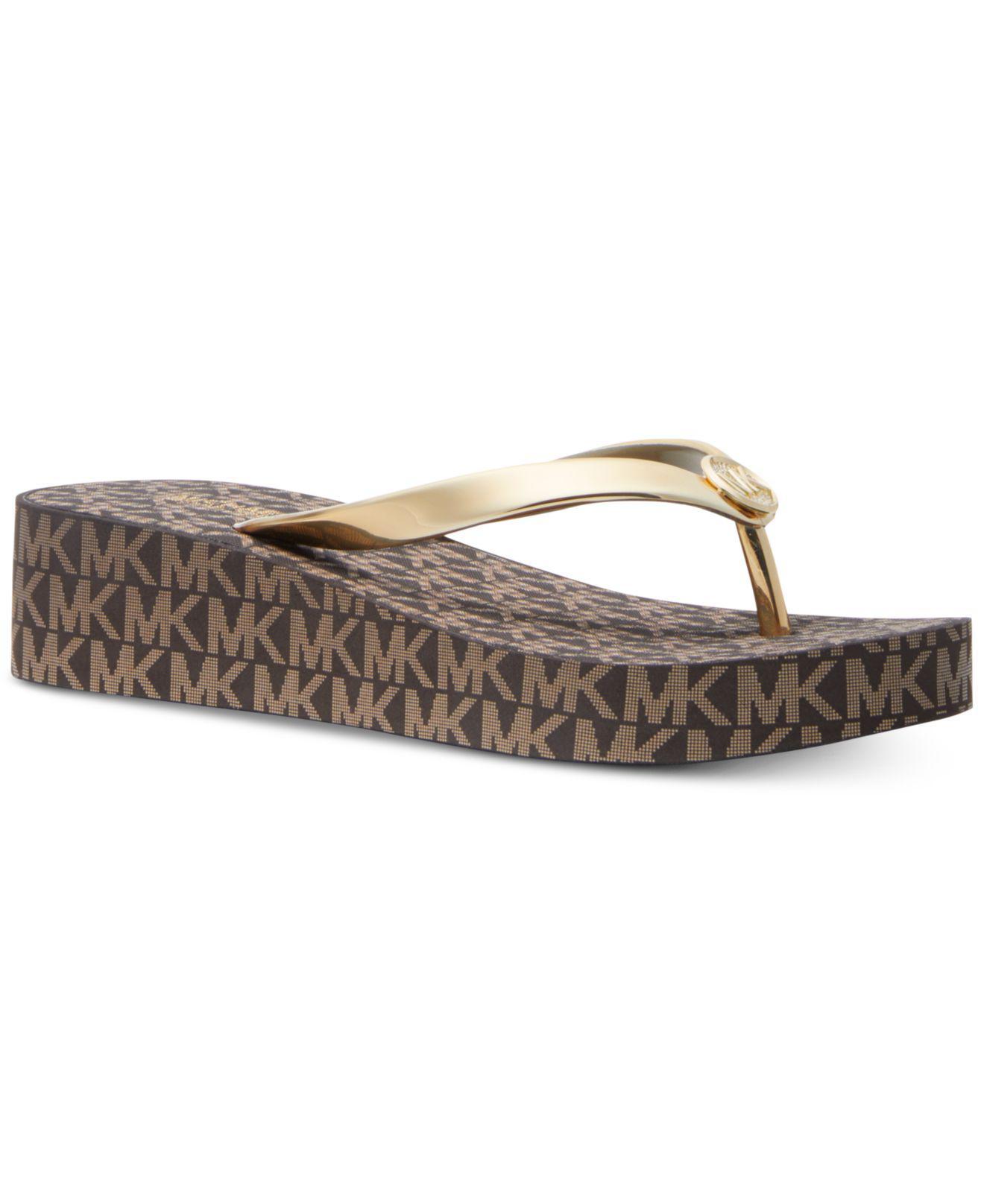 16cb1d772bfa7 Michael Kors Michael Bedford Flip-flop Sandals in Metallic - Lyst