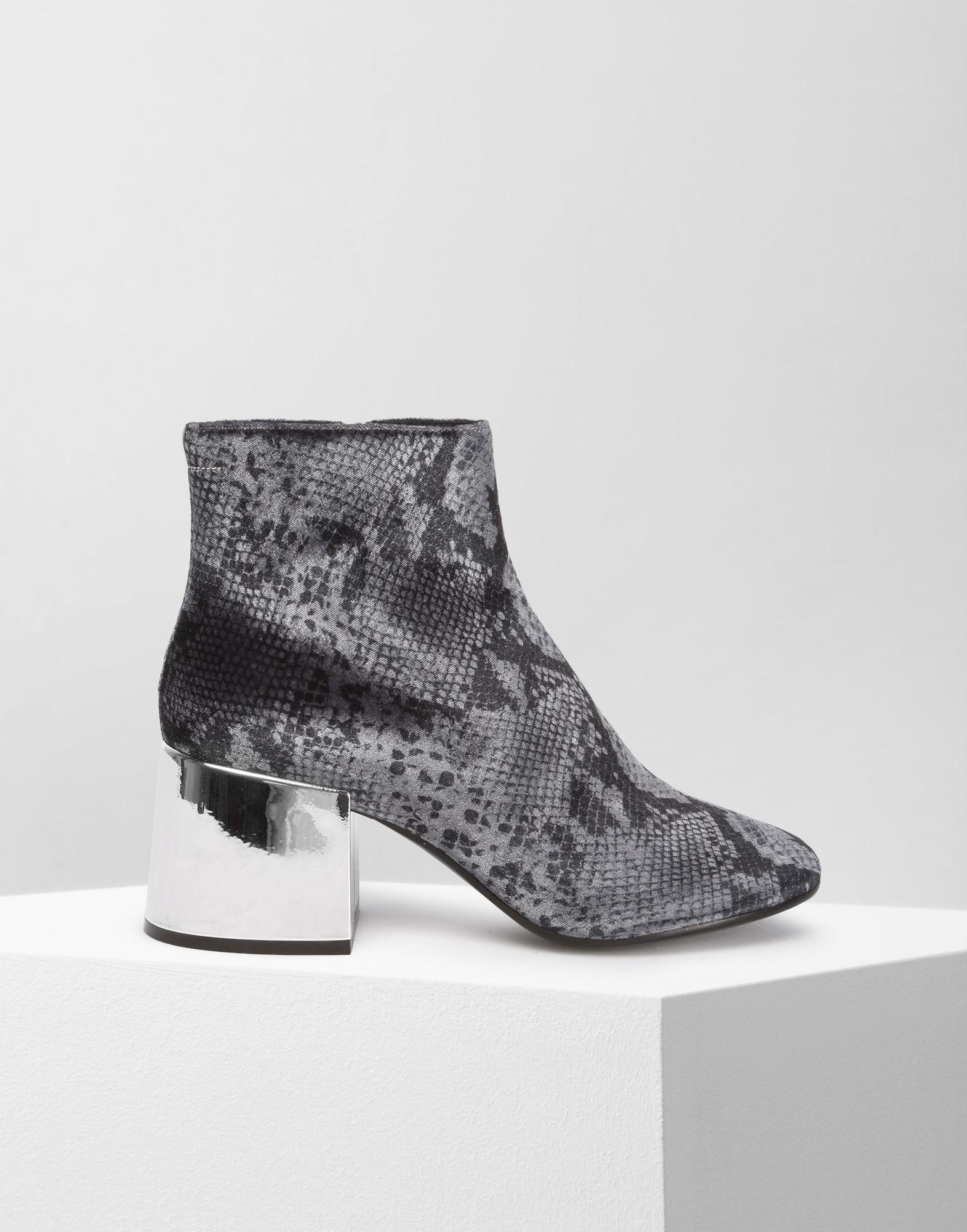 MM6 Maison Martin Margiela Black Rylee Low Boots free shipping lowest price outlet sale online best sale cheap price outlet looking for outlet hot sale FtcOC4