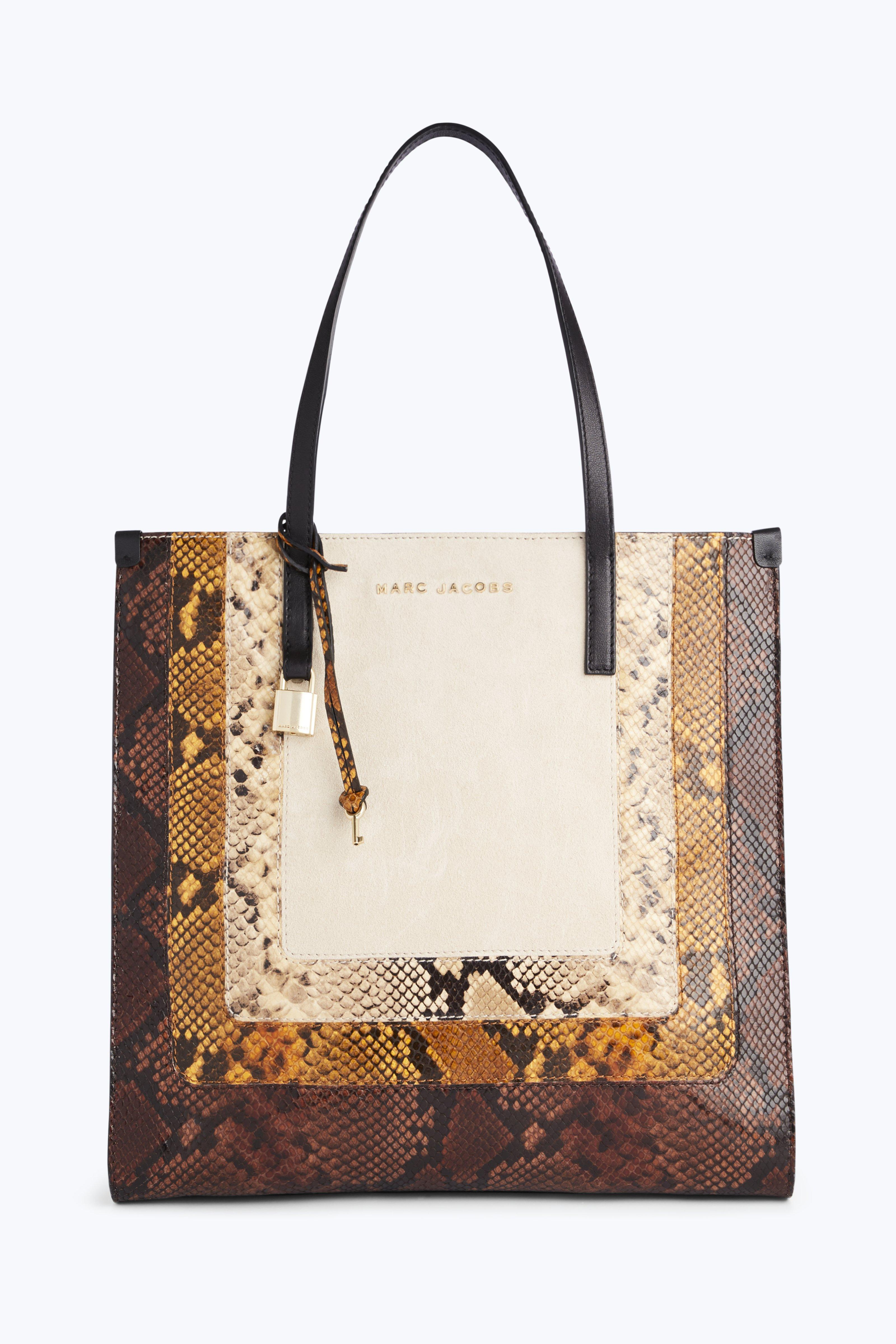 e4c386321fb6 Gallery. Previously sold at  Marc Jacobs · Women s Shopper Bags