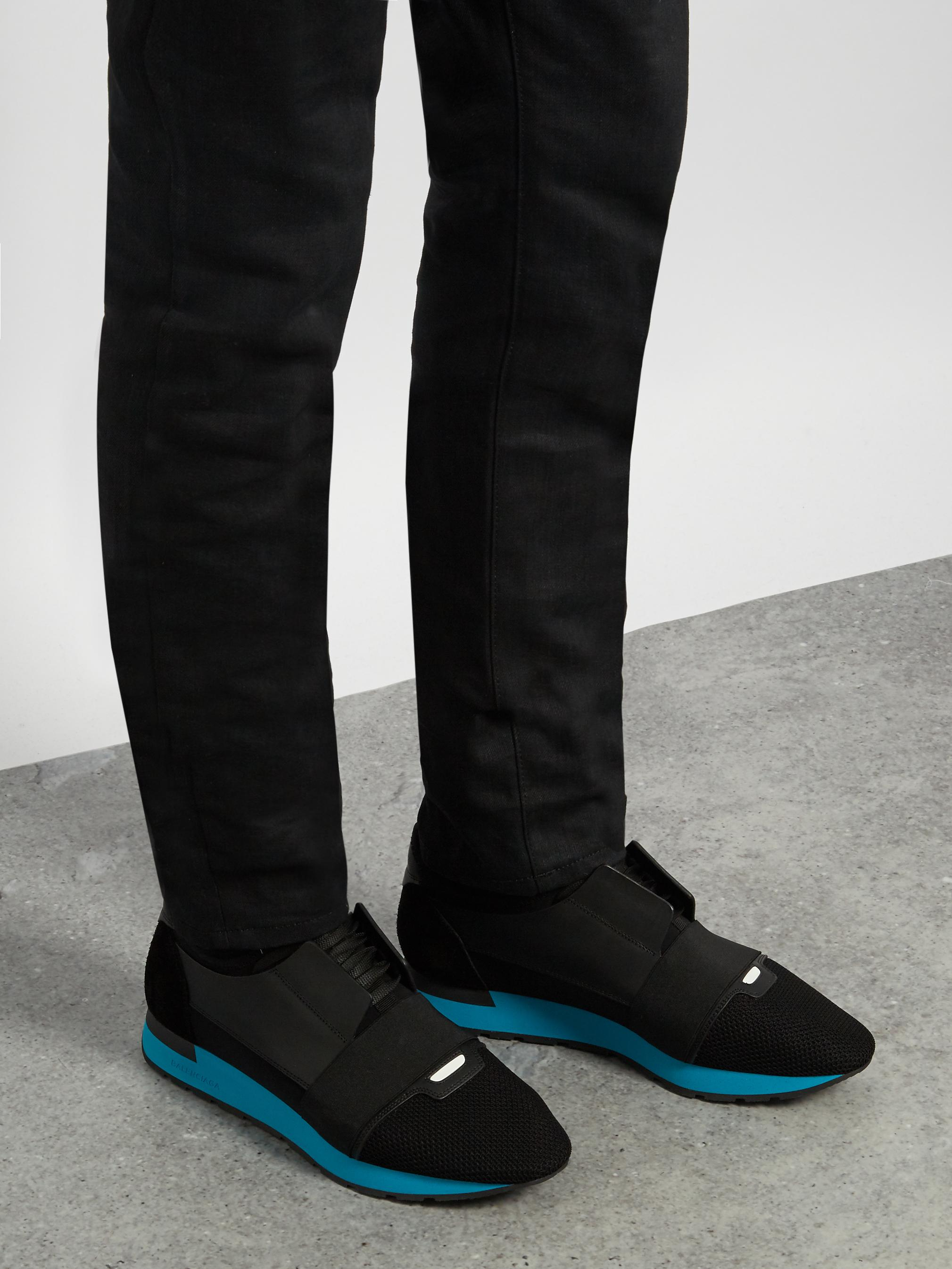 Balenciaga Race Runners Panelled Low Top Trainers In Black