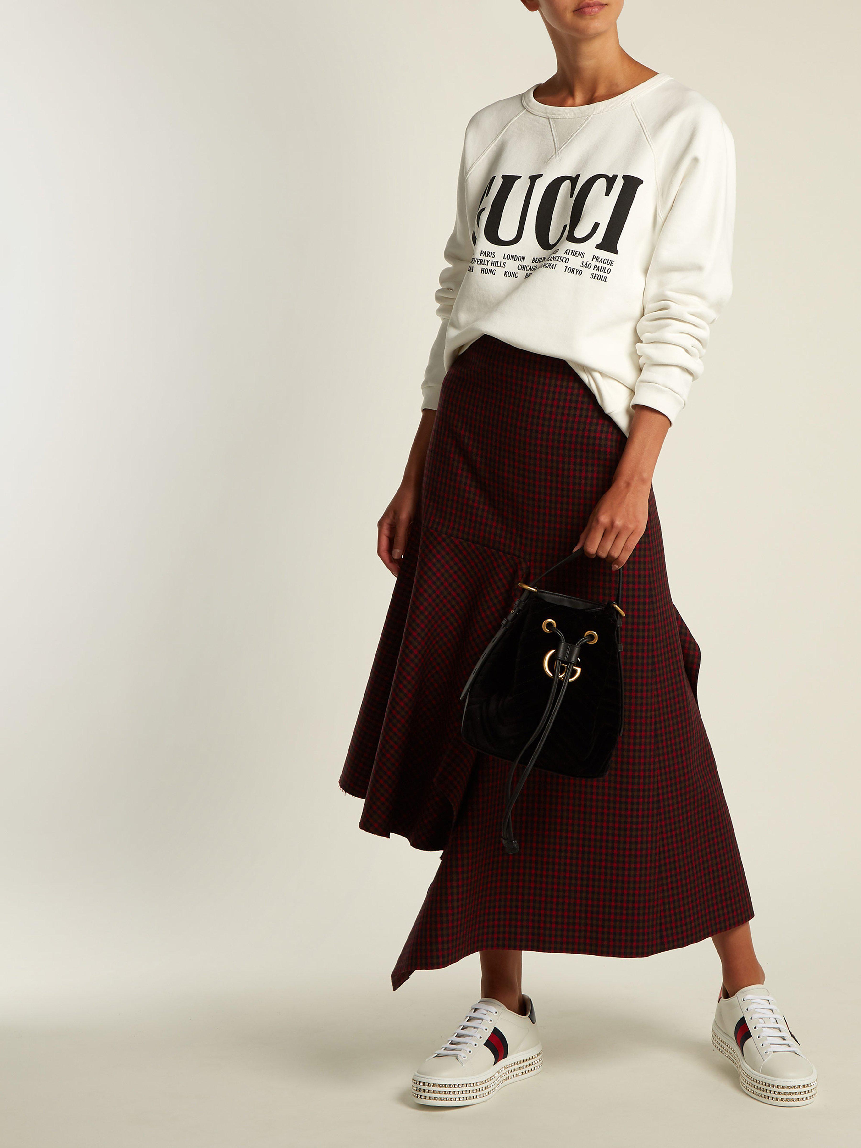 dcf2ed2342b0 Gucci Gg Marmont Velvet Bucket Bag in Black - Lyst