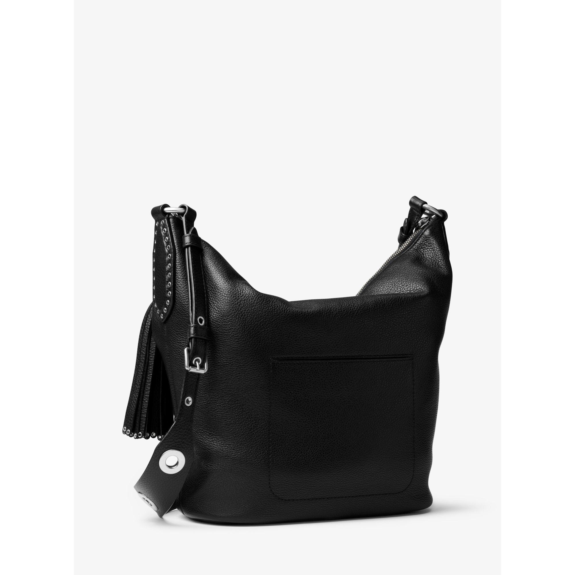 3dd9604e1bd5 Lyst - Michael Kors Brooklyn Large Leather Feed Bag in Black
