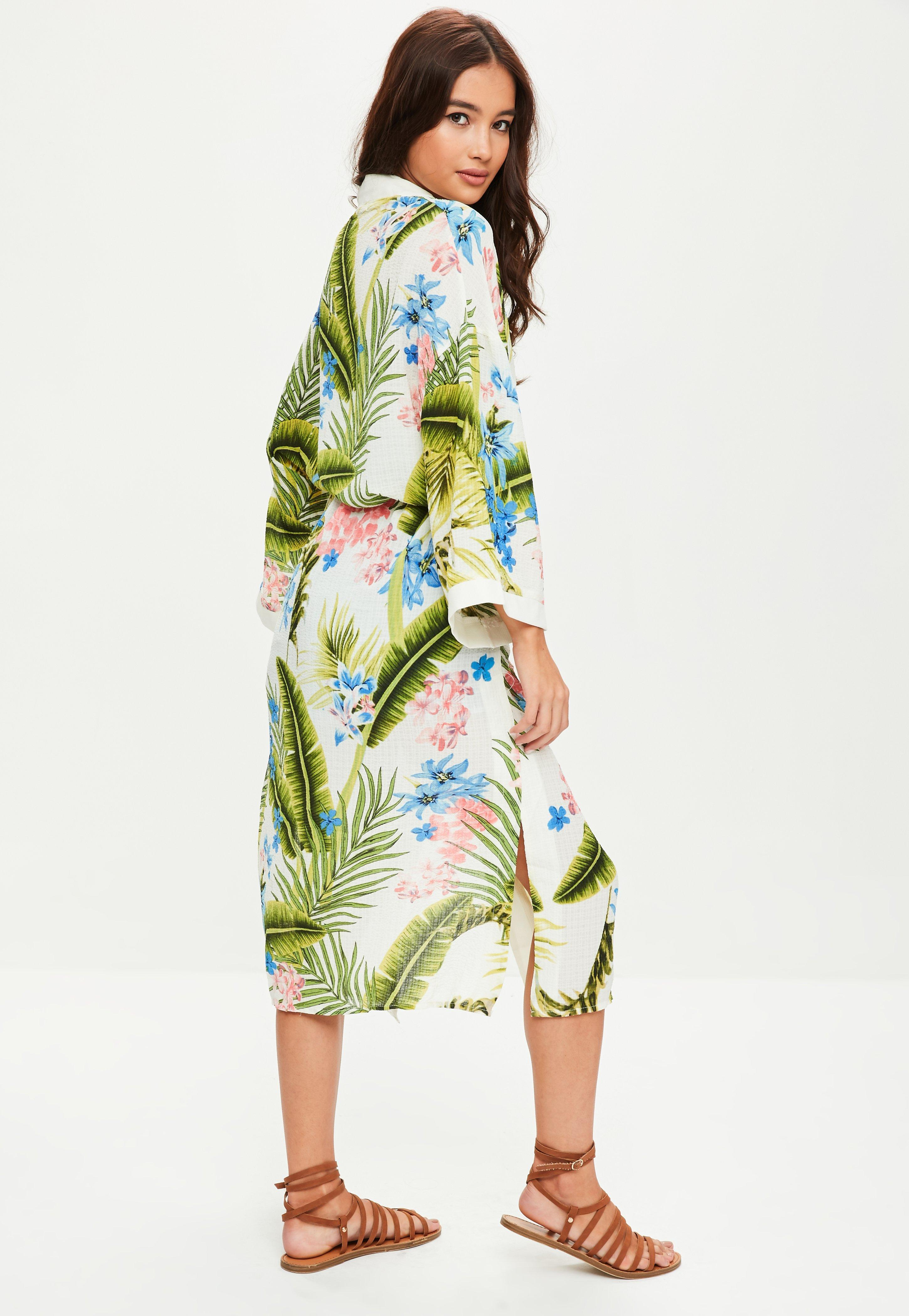 4ac9786d99 Lyst - Missguided Green Tropical Print Kimono in Green