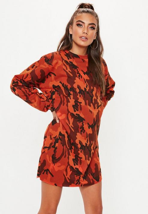 7cece461e06f Missguided Red Oversized Long Sleeve Camo Sweater Dress in Red - Lyst