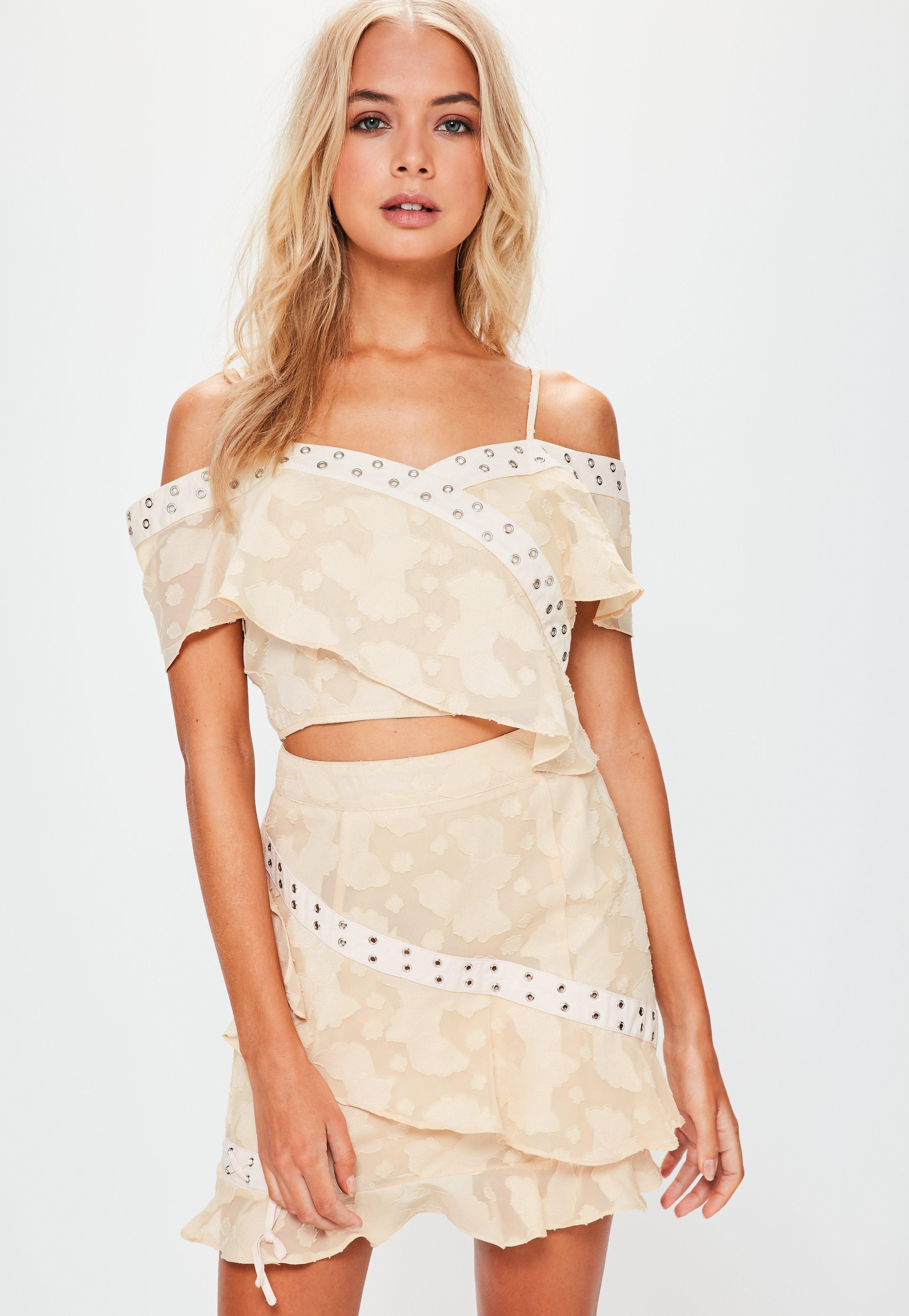 82c10bfaf4 Missguided Nude Textured Frill Mini Skirt in Natural - Lyst
