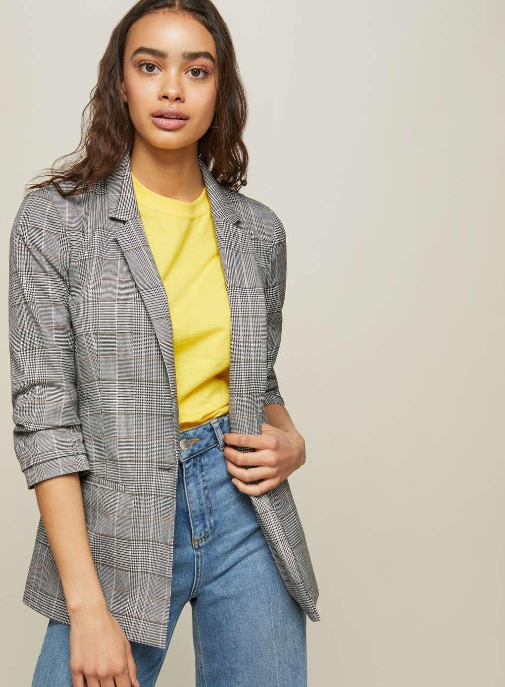 54a1bce2f3855 Miss Selfridge Petite Ruched Sleeve Checked Blazer in Gray - Lyst